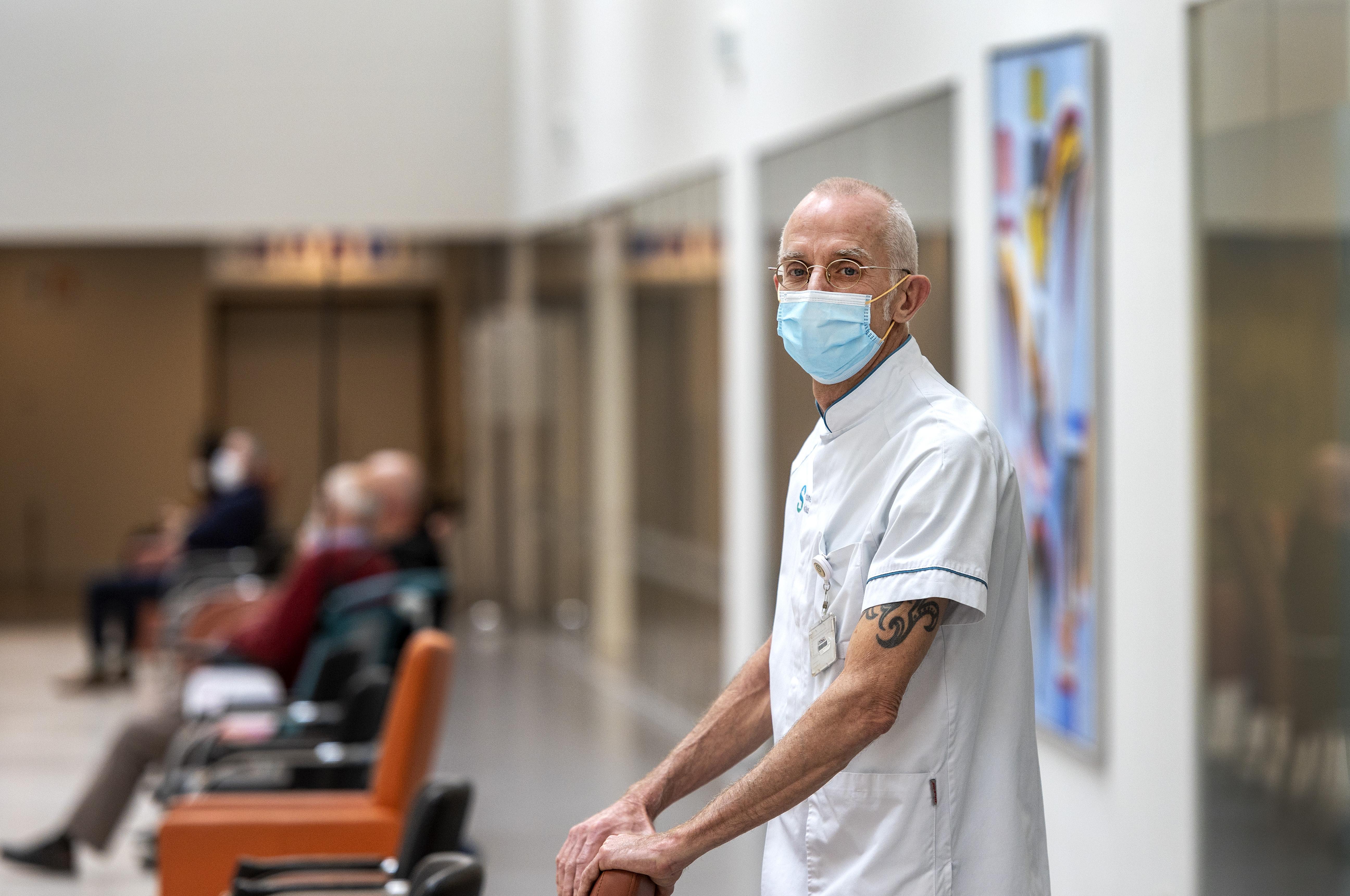Hoe het Spaarne Gasthuis in Haarlem de intensive care steeds menselijker maakt: meneer De Vries wordt Jaap met zijn hoogzwangere dochter