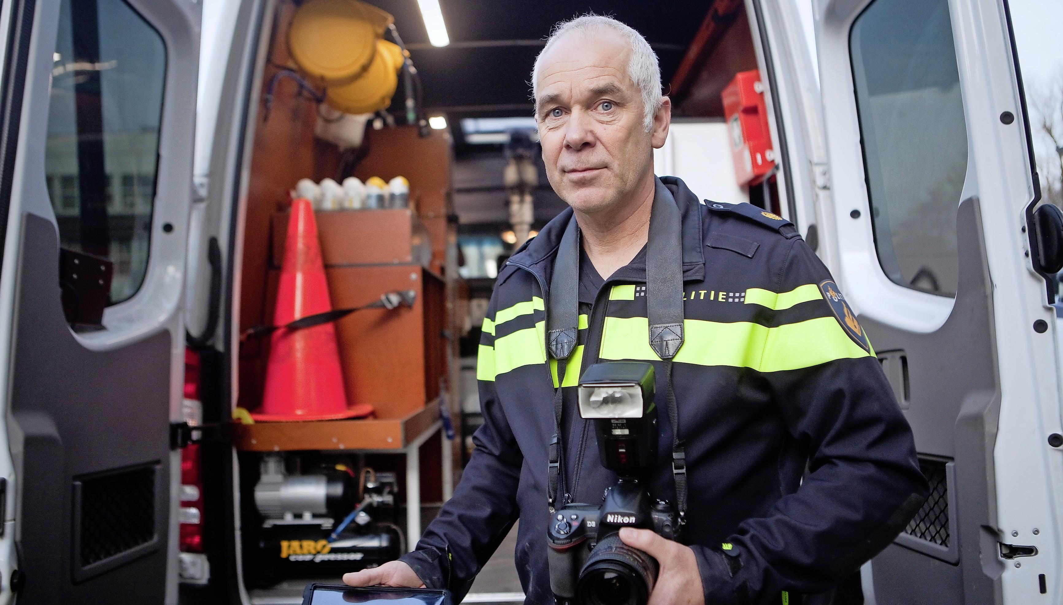Santpoorter André Wijkhuizen vertelt over het veiligstellen van sporen na een verkeersongeval: 'Een remspoor kan een heel verhaal vertellen'