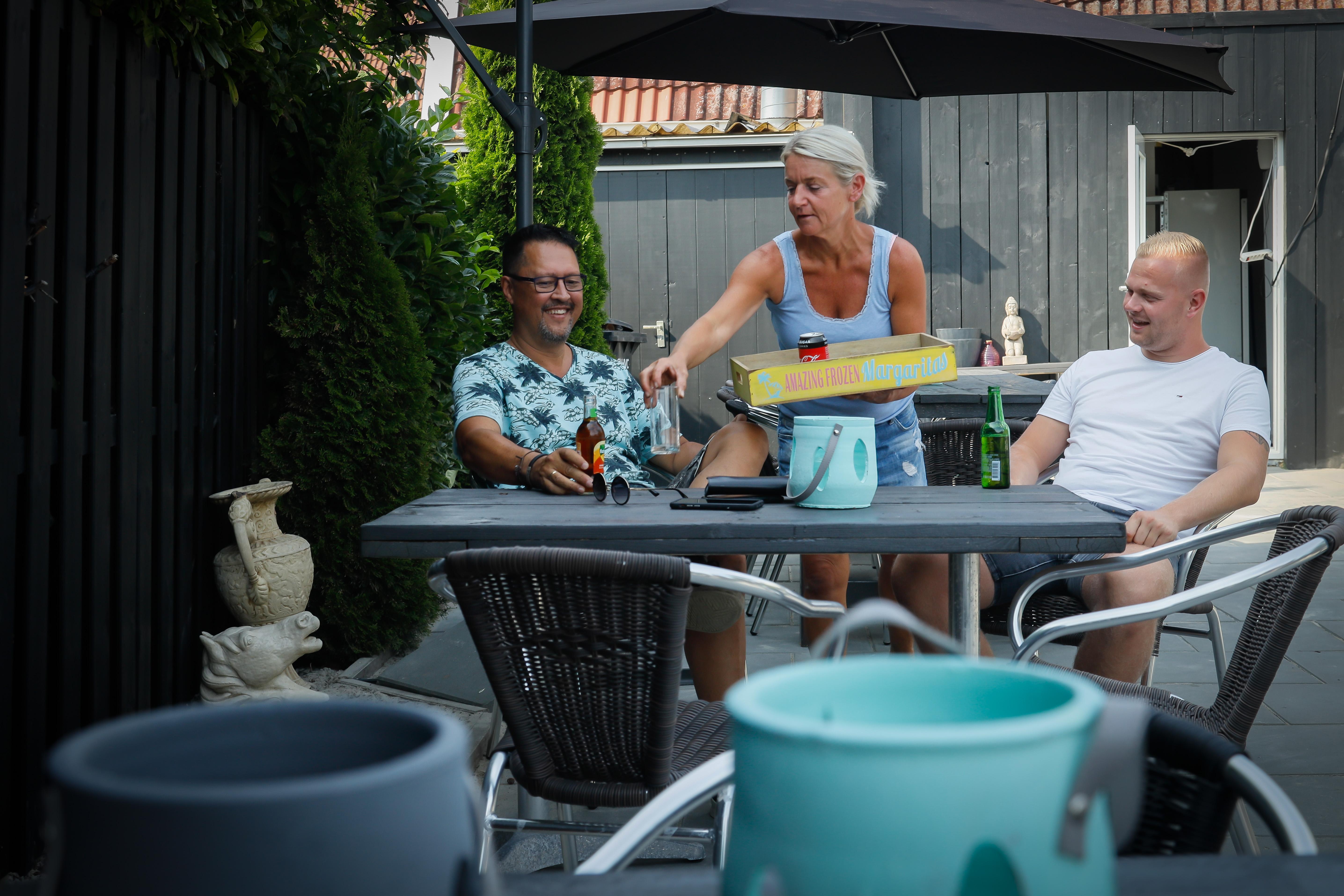 Klap op klap, maar niet neer: lunchroom Koomen in Grootebroek geeft met goede moed weer vol gas na brand en corona