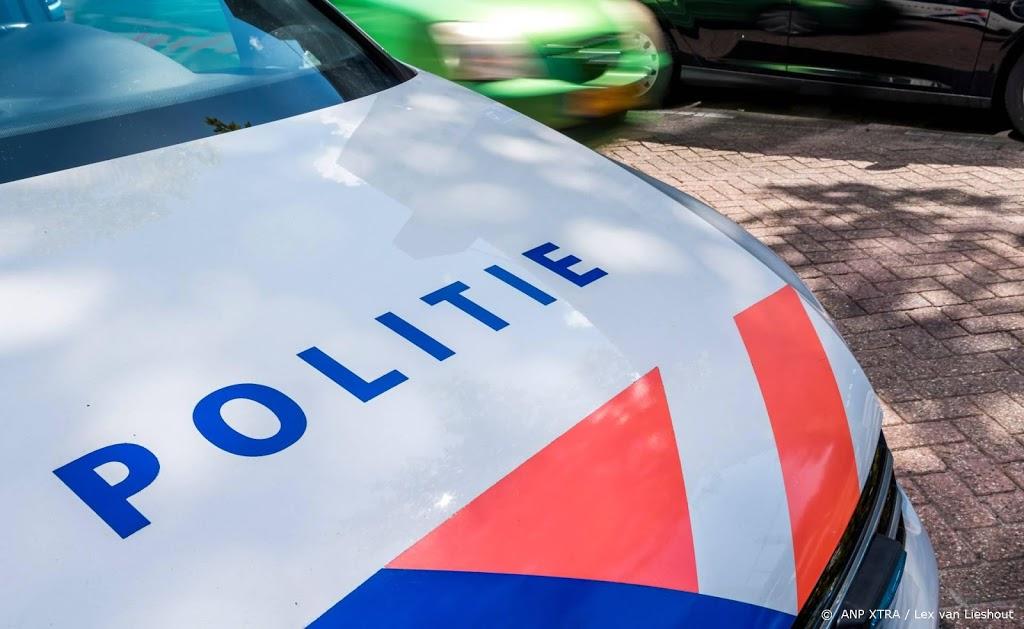 Politie rijdt bestuurder na achtervolging klem in de Bijlmer