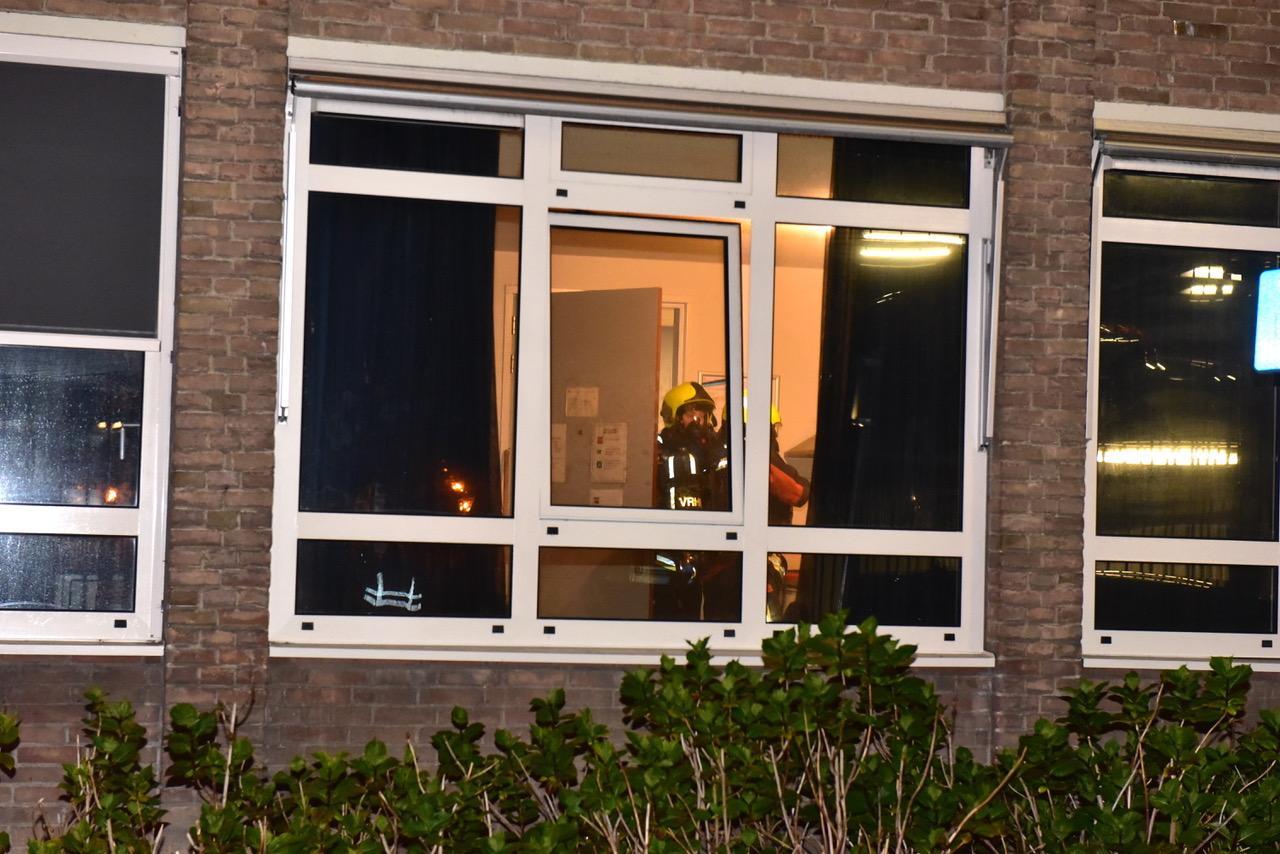 Brandend papiertje met grote gevolgen: Binnenvest in Leiden ontruimd vanwege rook