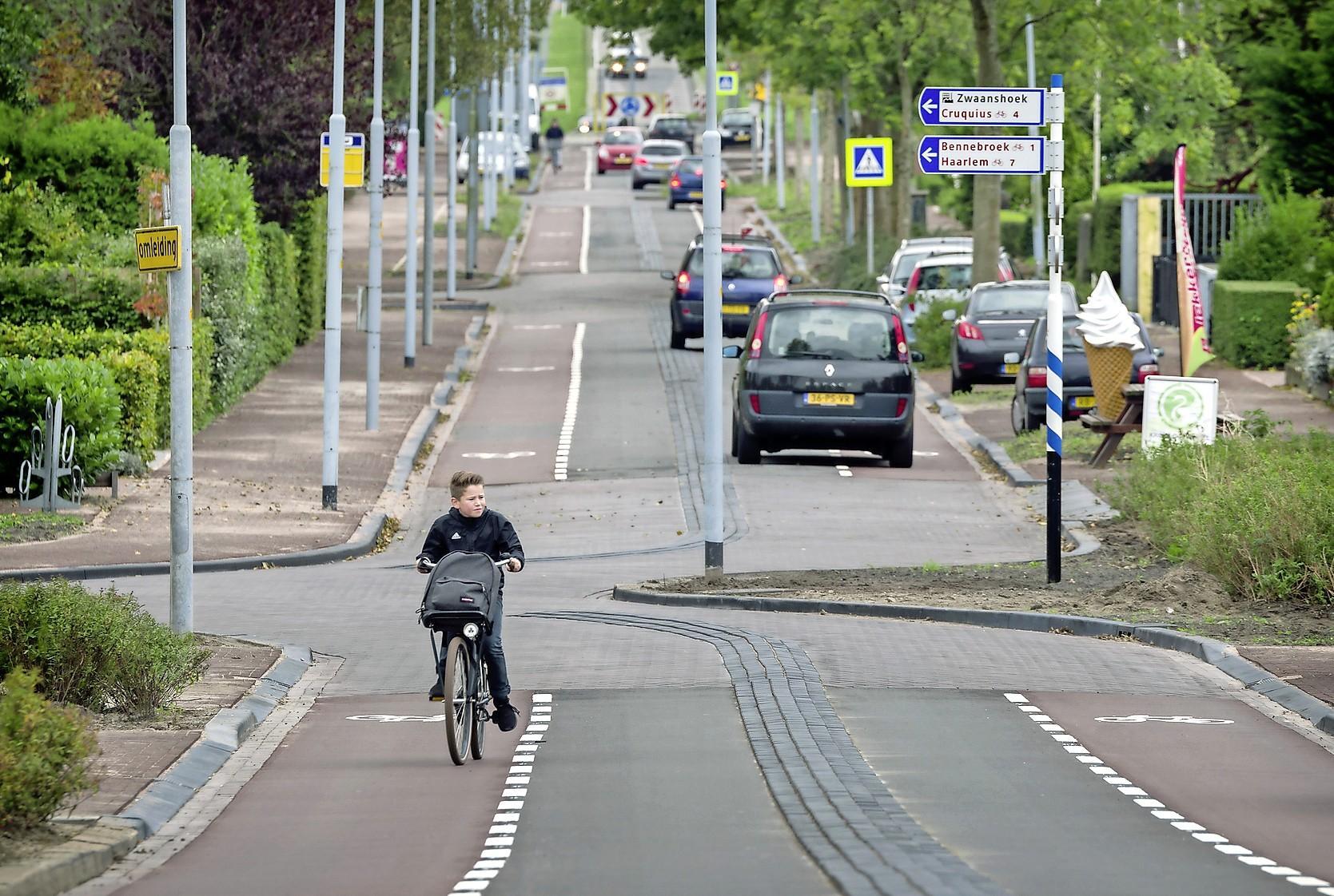 Dorpsraad: 'Lisserbroekerweg 30-kilometerweg'
