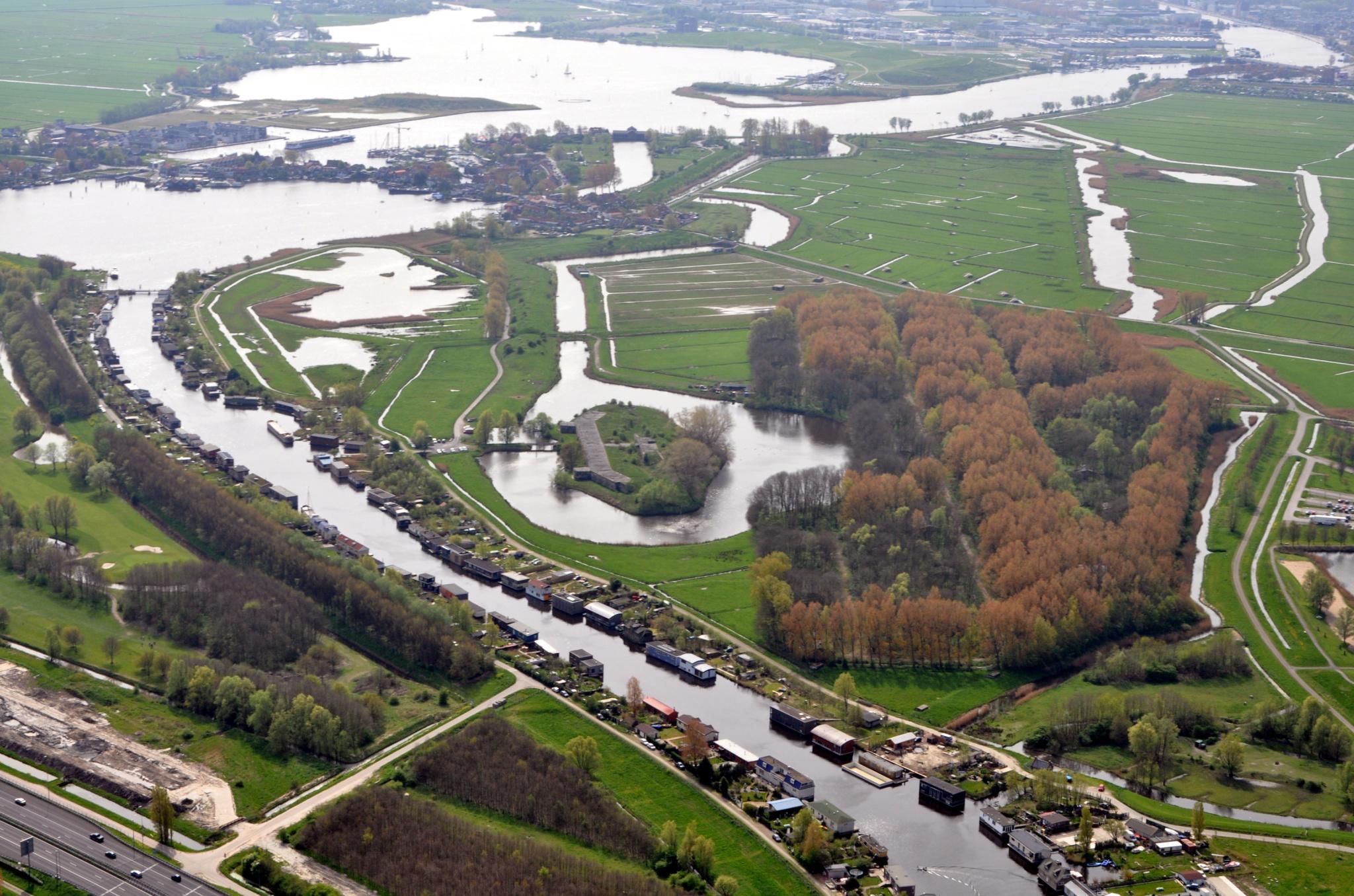 Ideeën van woonbootbewoners Zijkanaal B: Bouw sociale woningen in Munitiebos