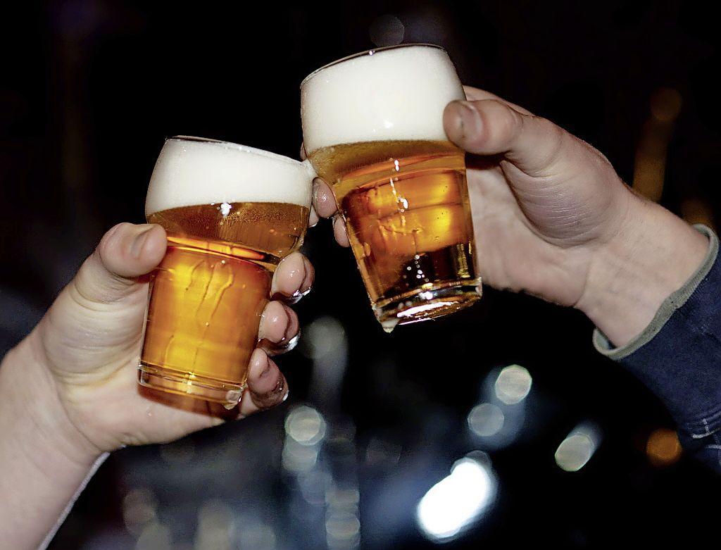 Jongeren in het Gooi drinken minder alcohol, maar het is nog altijd meer dan het landelijk gemiddelde; 'Een op de vijf is een bingedrinker'