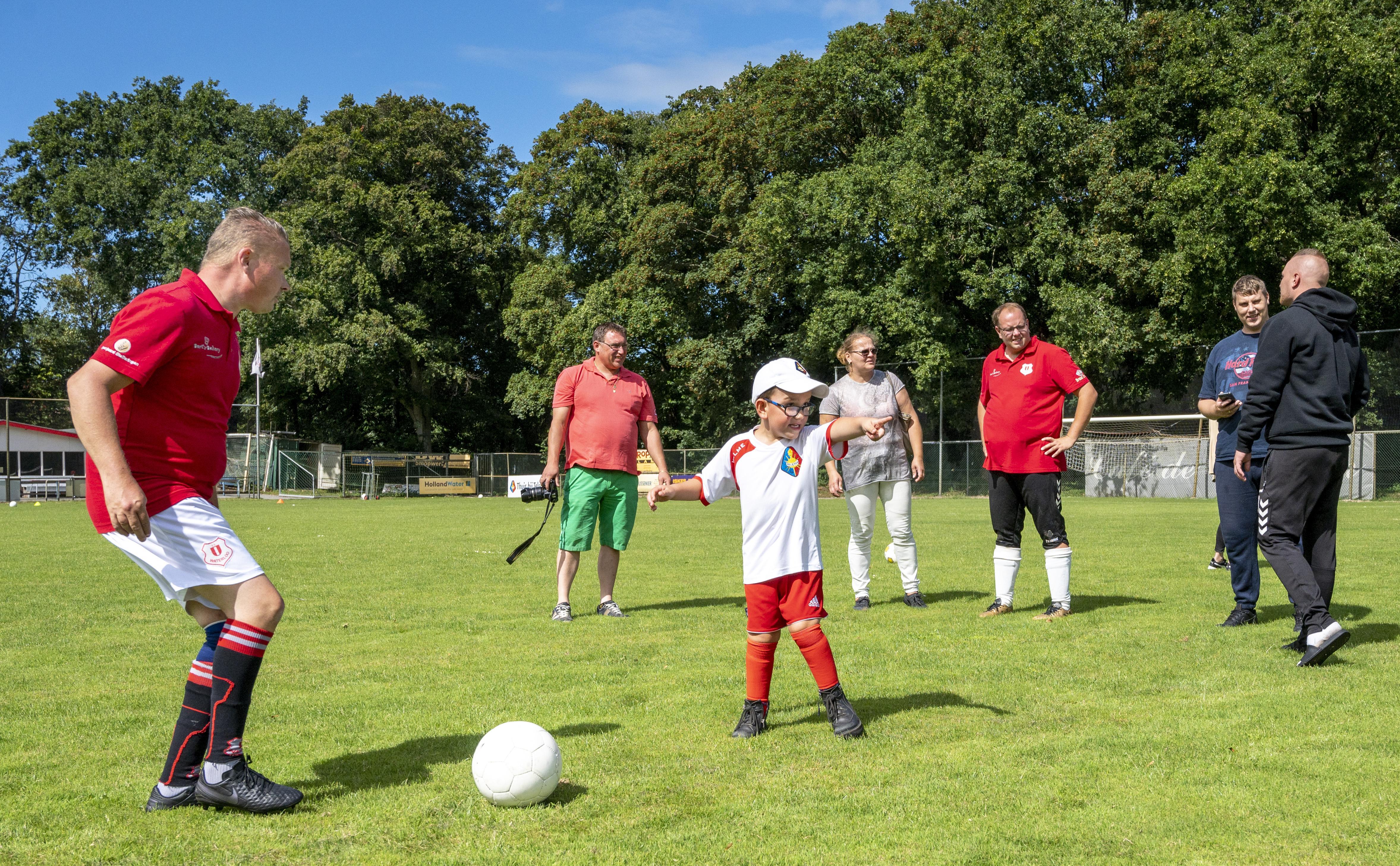 G-voetbalteam in Driehuis zoekt nieuwe leden, anders gaat het ten onder. 'Het is een heel gezellige club', zegt speler Jeroen Schoonakker