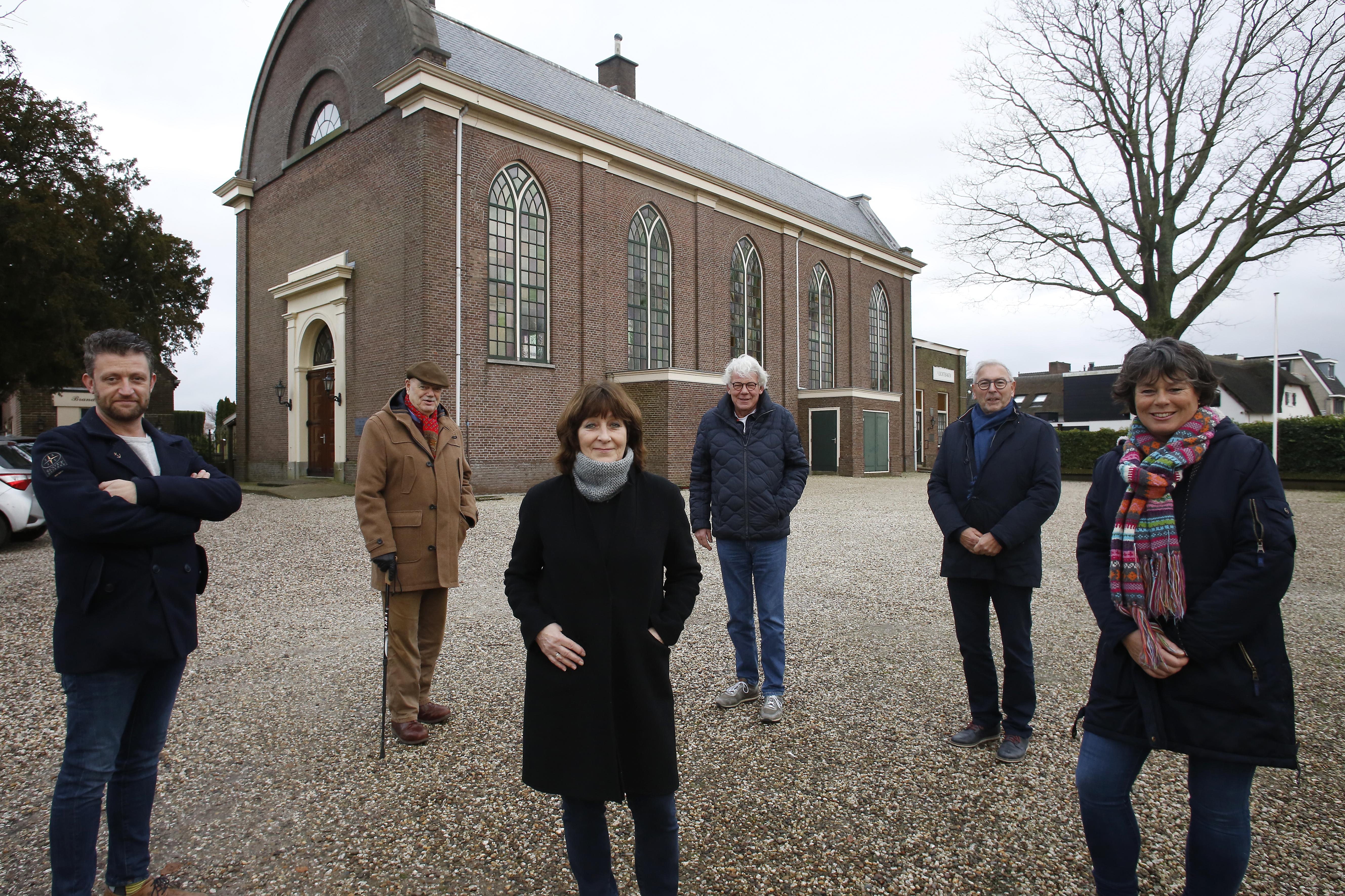 Krijgt Loosdrecht toch nog levendig dorpscentrum? Crowdfunding voor plan leegstaande Loosdrechtse NH-kerk moet ruim een miljoen opleveren