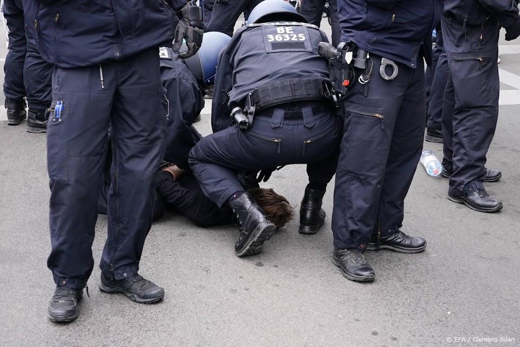 Demonstratie tegenstanders coronabeleid Berlijn verloopt onrustig