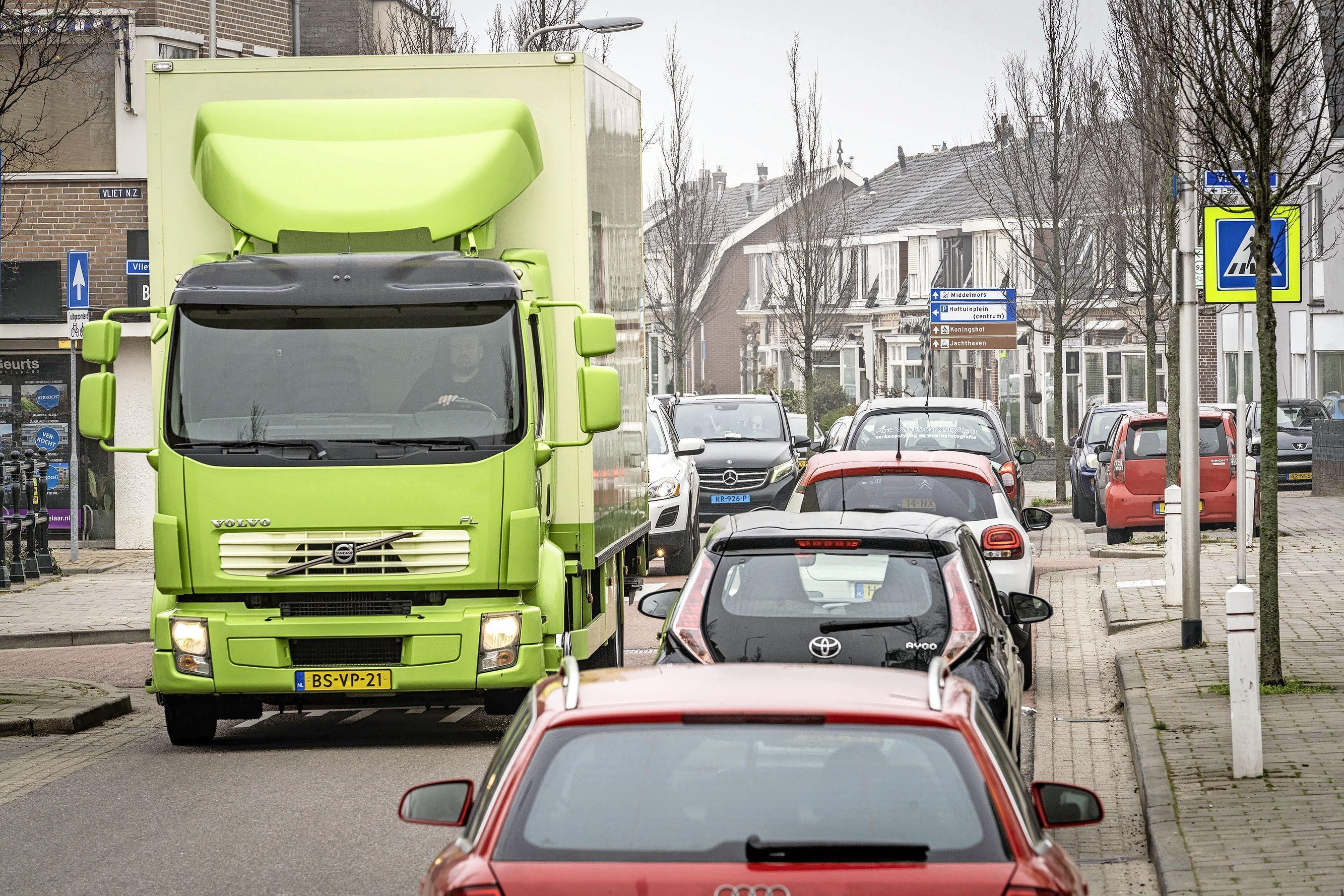 Vrachtwagenverbod Rijnsburgse Brouwerstraat losgekoppeld van andere verkeersmaatregelen