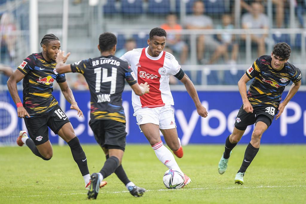 Ajax speelt gelijk tegen Duitse topclub Leipzig