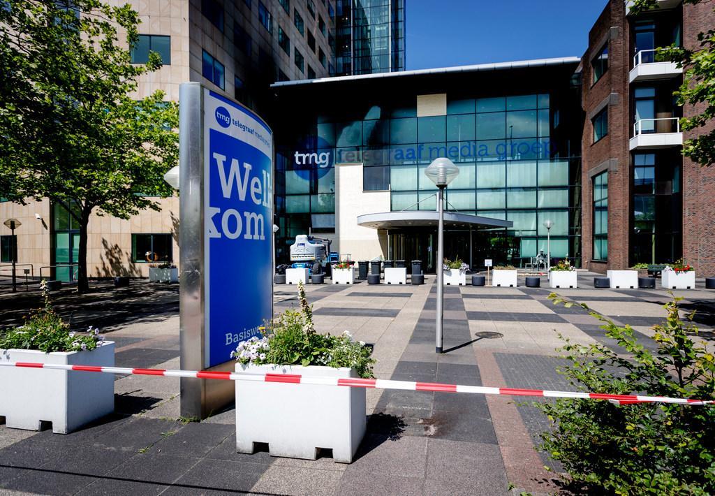 Vijf verdachten aanslag Telegraaf langer vast