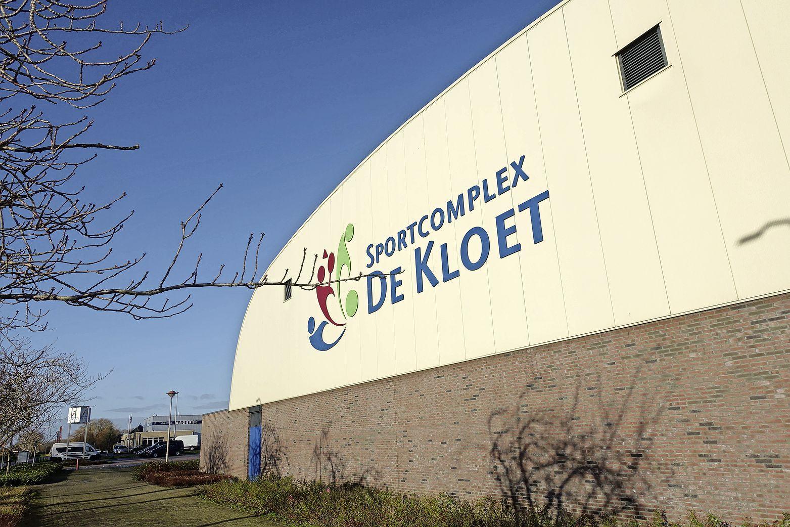 Gymdocenten worden doof in sporthal De Kloet in Grootebroek, maar gemeente onderneemt geen actie