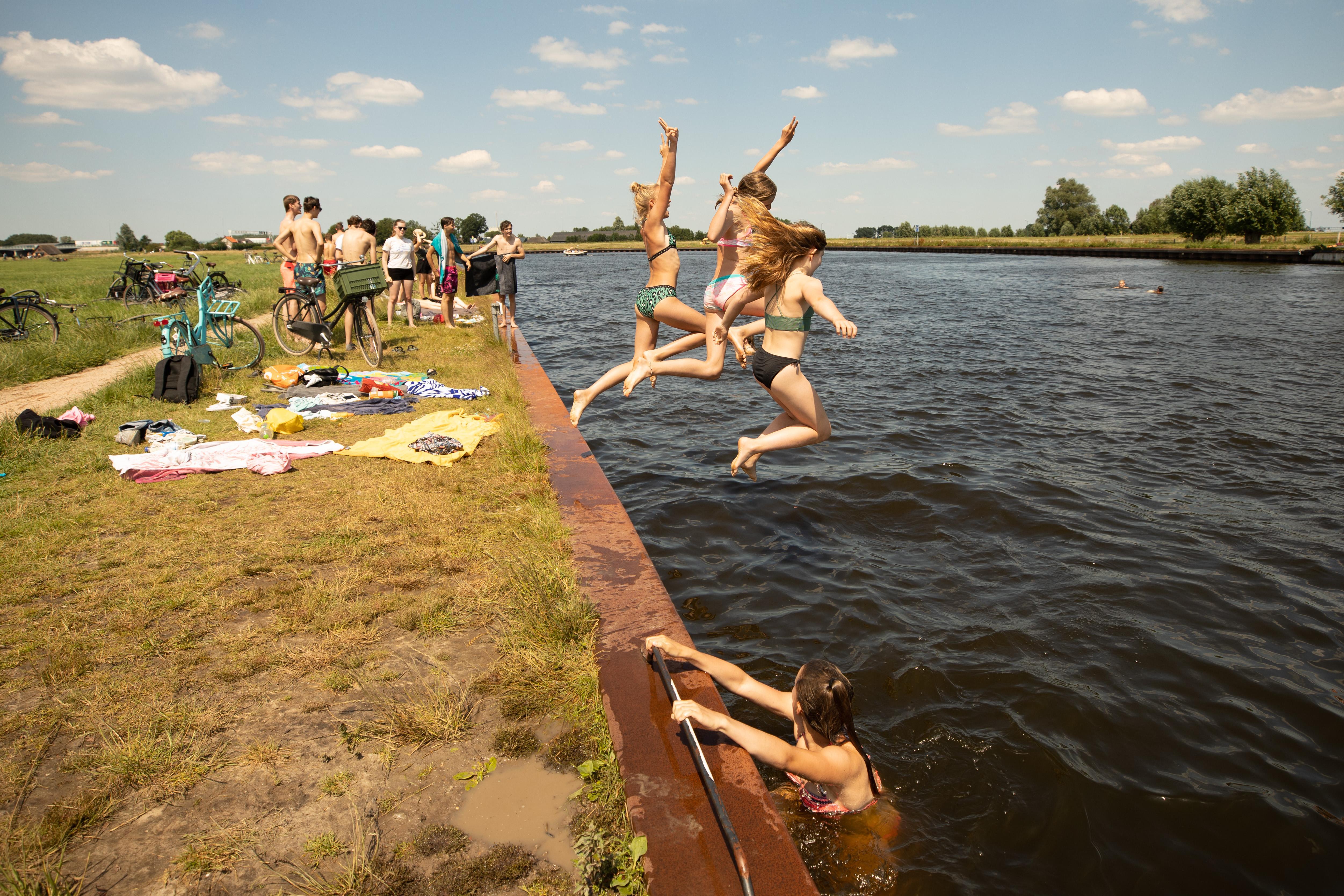 Hoe onveilig is nu zwemmen in de Eem? D66 Baarn stelt vragen na uitlatingen van Soester burgemeester Metz dat je er ziek van kunt worden