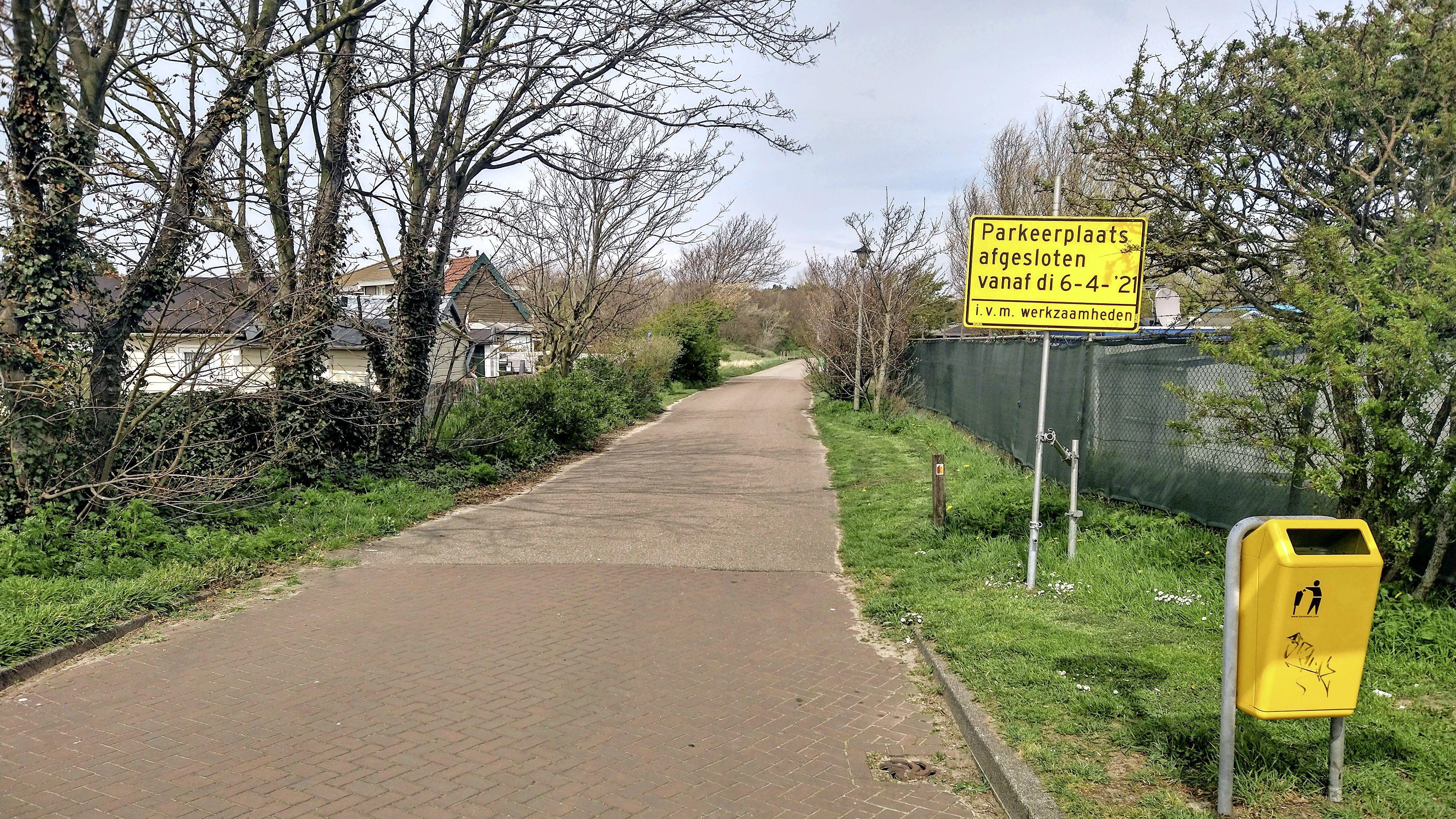 Vinden van vervangende parkeerruimte voor PWN-parkeerplaats Meeuweweg in Wijk aan Zee is zó ingewikkeld. 'Voor we het wisten waren er al weken verloren', zegt PWN