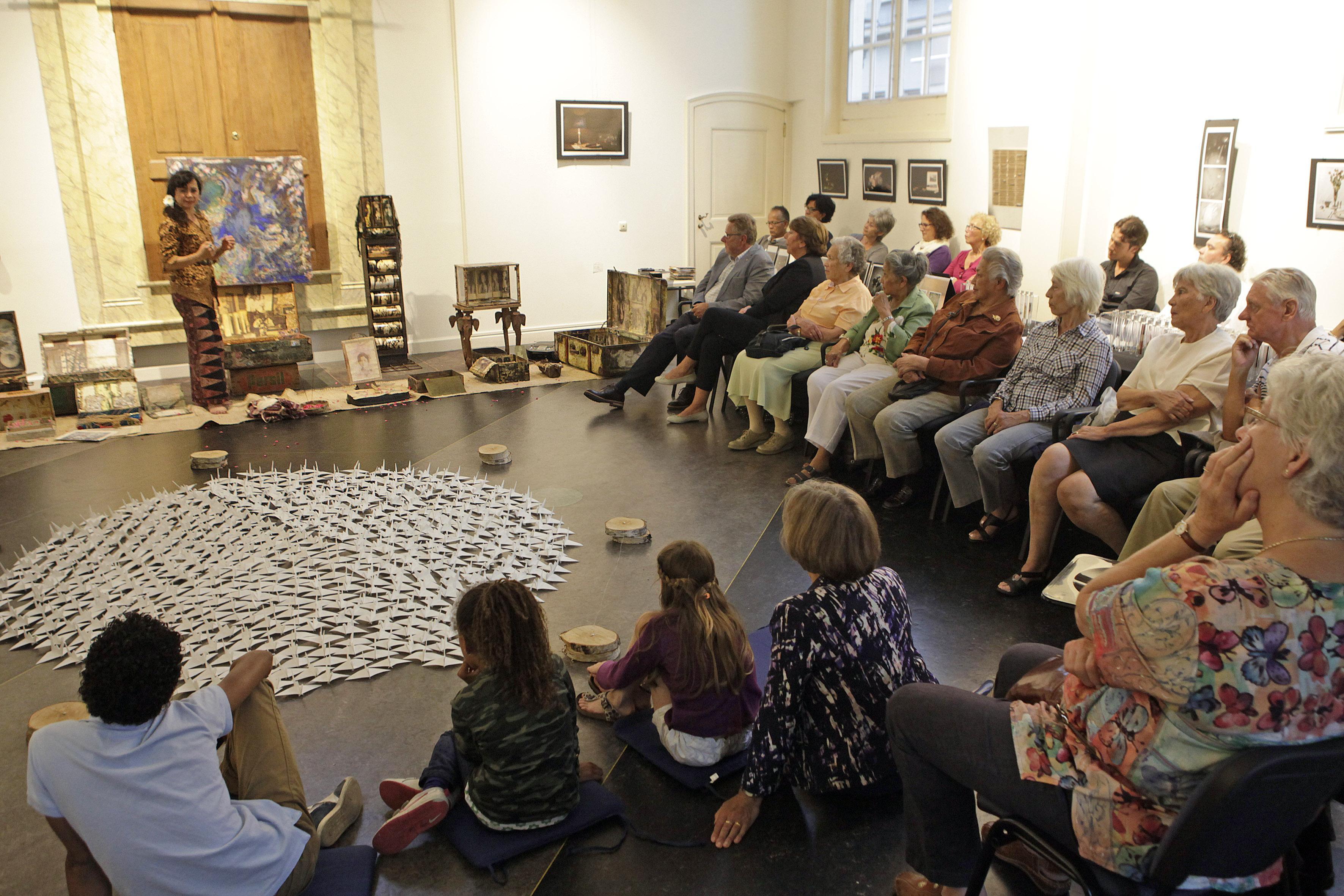 Overlevende Japanse bezetting en Bersiaptijd spreekt bij Indië-herdenking in Weesper synagoge