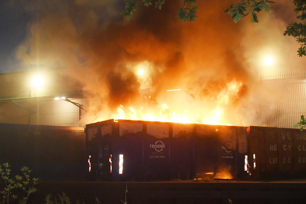 Flinke containerbrand bij afvalverwerker Renewi in Zoeterwoude