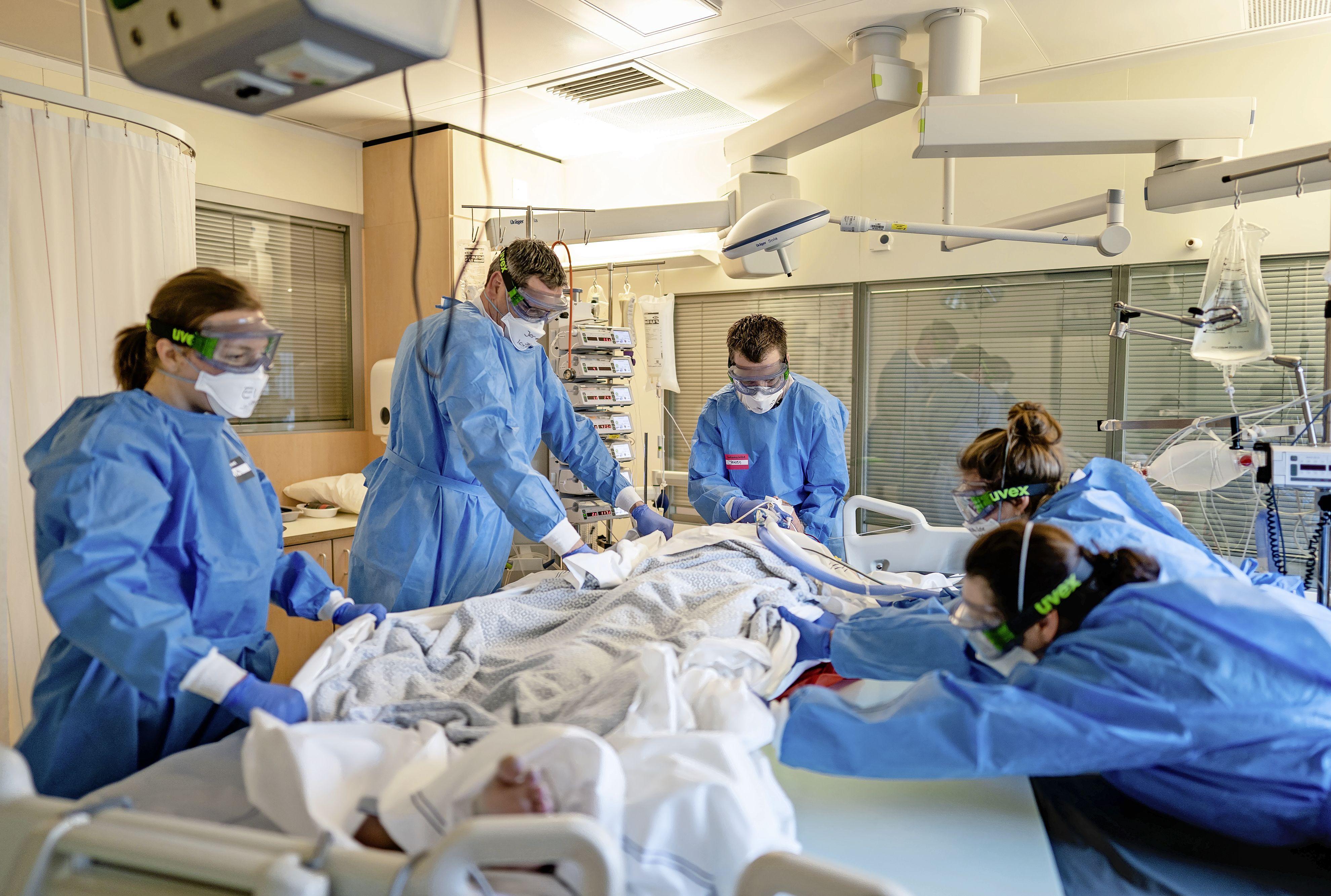 Extra ic-bedden Alrijne en LUMC om toestroom coronapatiënten aan te kunnen: 'Wederom afschaling reguliere zorg'