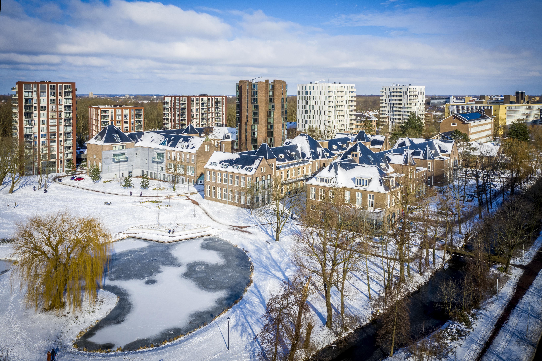 Luchtfoto: de Cité Médicale van het AZL is nu het Schilperoortpark, een mix van wonen, werken en horeca