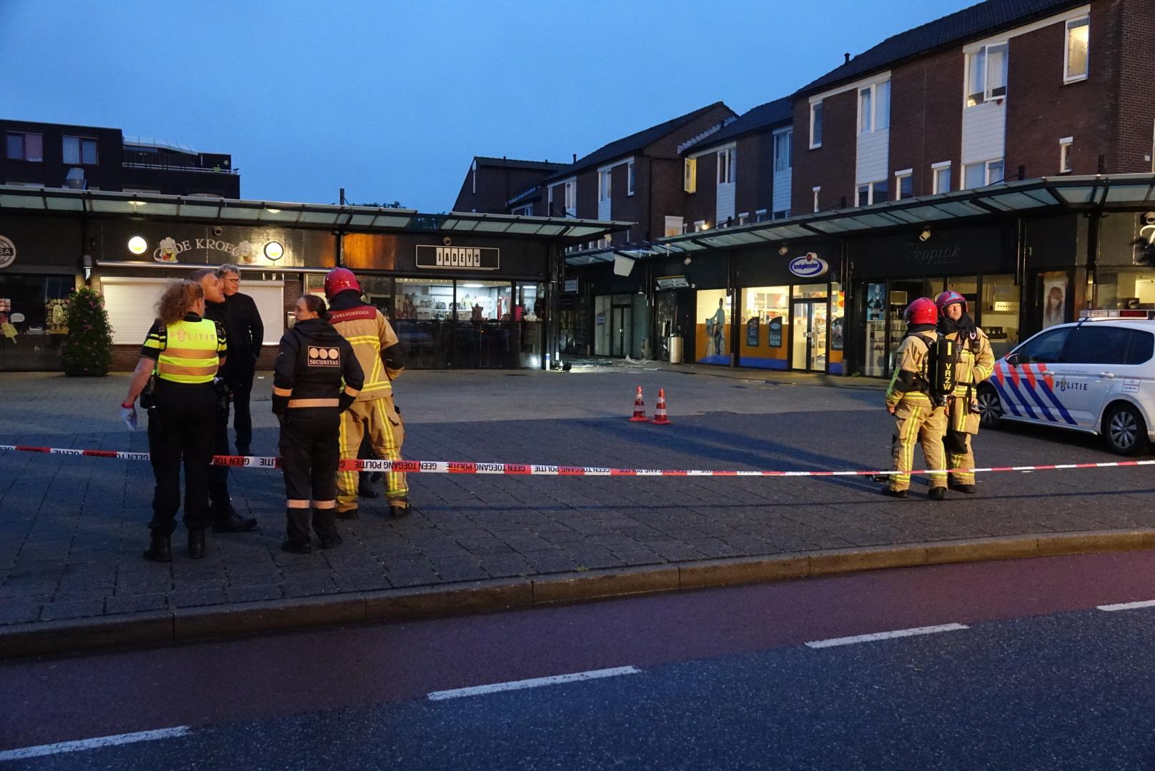 Grote ravage door plofkraak aan Gildeplein in Purmerend; tweede explosief onschadelijk gemaakt[update, video]