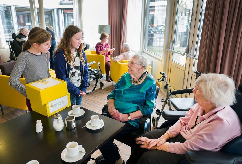 Paaspakket tegen eenzaamheid Haarlemse ouderen