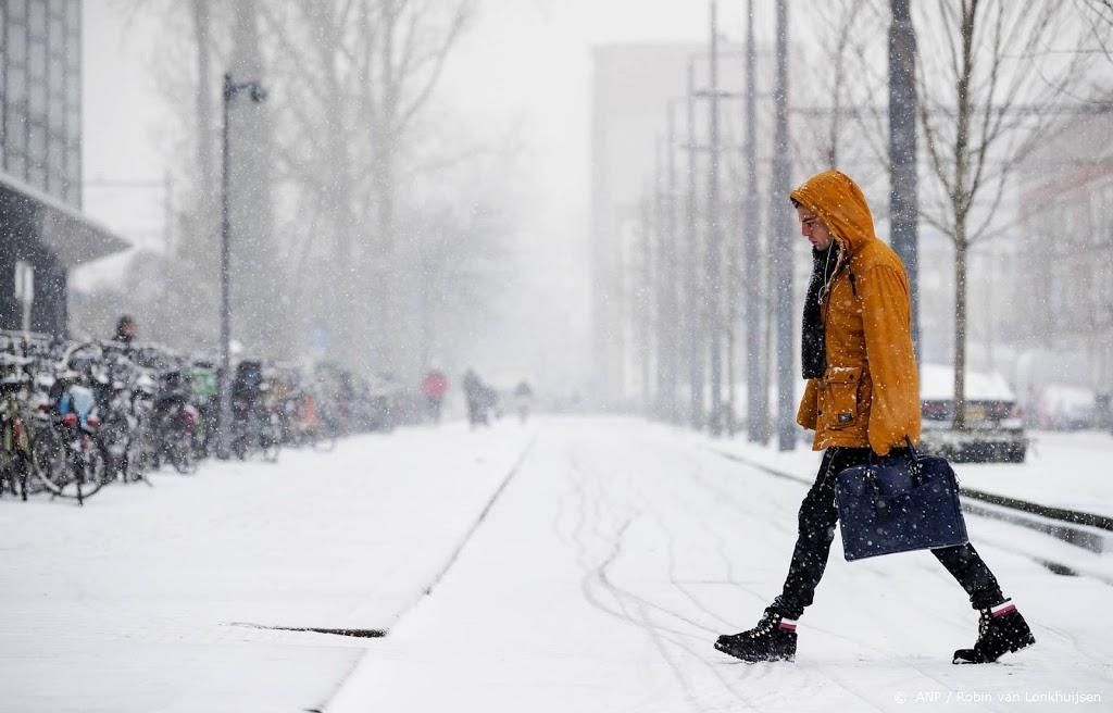 Zondag in hele land code rood door slecht weer, kou en ijsduinen