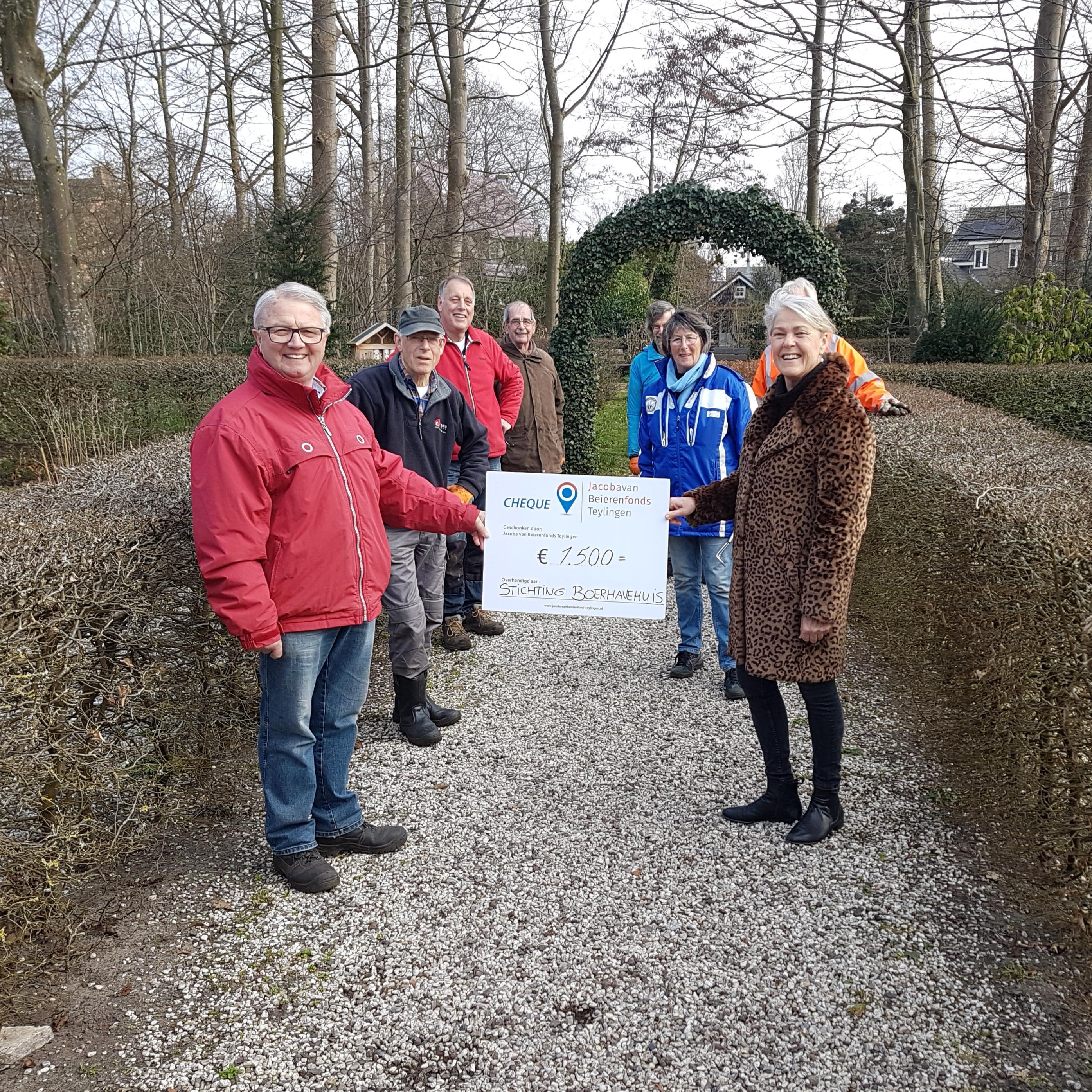 Boerhaavehuis in Voorhout krijgt geld voor nieuwe buxus