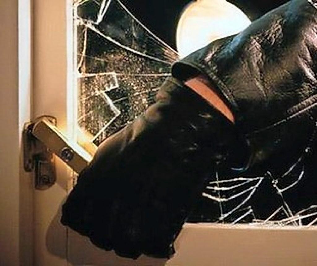 Offensiefje tegen woninginbrekers in de IJmond: politie traditioneel extra waakzaam tijdens 'donkere dagen'