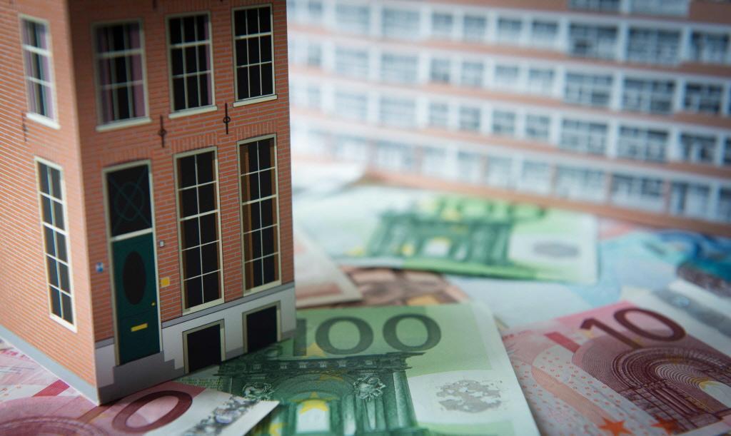 Huren van kamers zijn opnieuw gestegen: gemiddeld betaalt student ruim honderd euro te veel