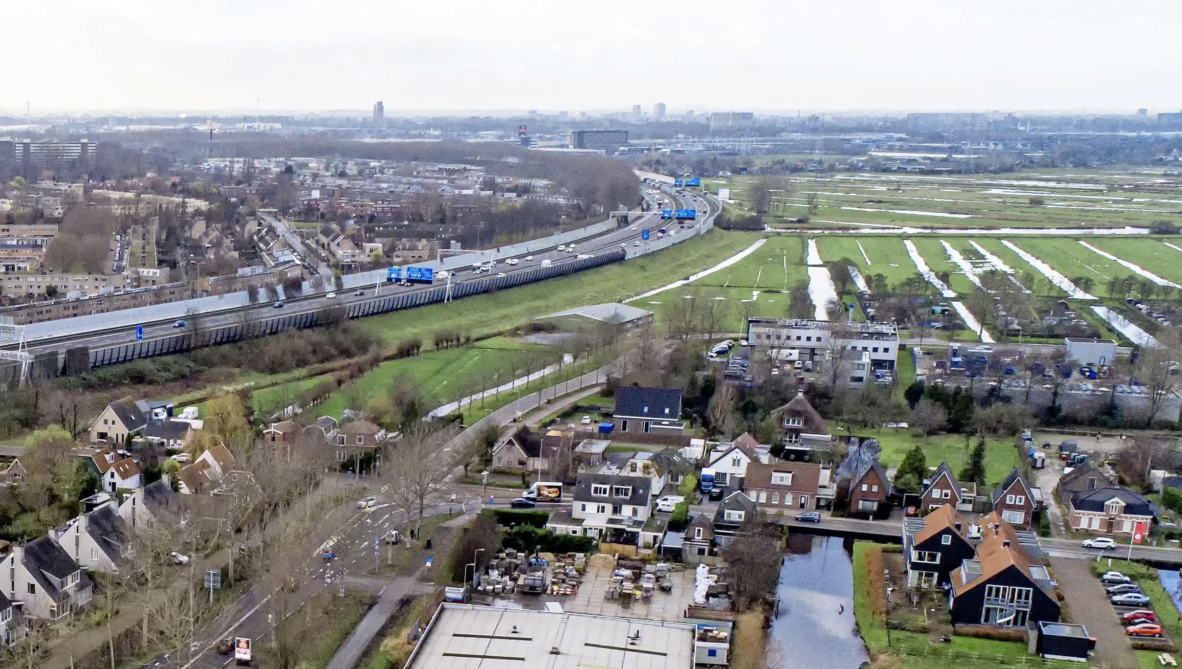 SP en Groenlinks zien vakantieresort in Landsmeer niet zitten: 'Gezin waarvan het huis is uitgebrand moet in andere gemeente een woning zoeken en hier zijn alsnog honderd vakantiehuisjes welkom?'