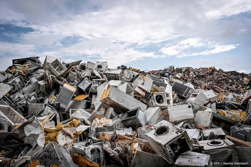 Duitsland worstelt na watersnood met bergen afval en puin