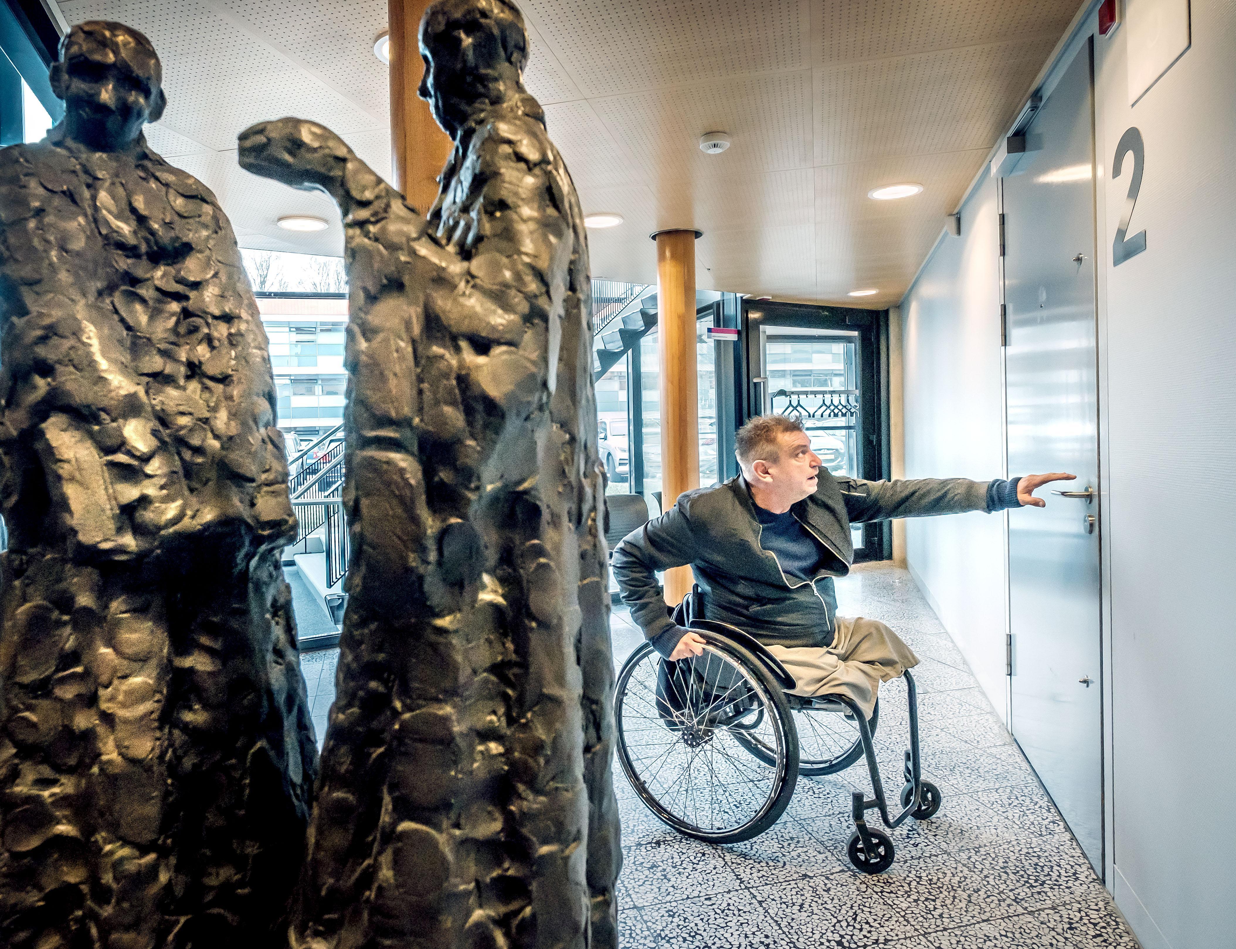 Gemeente Den Helder reageert niet op uitspraken van kunstenaar Rob Scholte en diens advocaat
