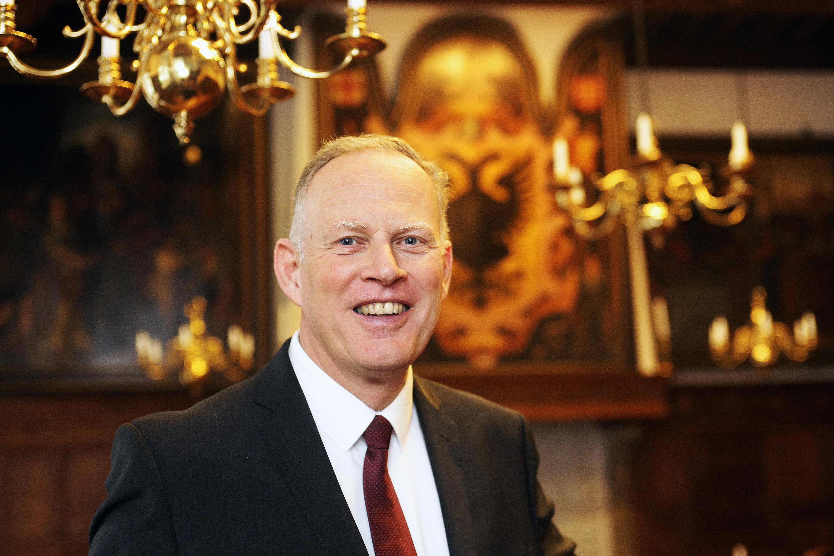 Oproep burgemeester Han ter Heegde van Gooise Meren: wij laten het hier niet gebeuren