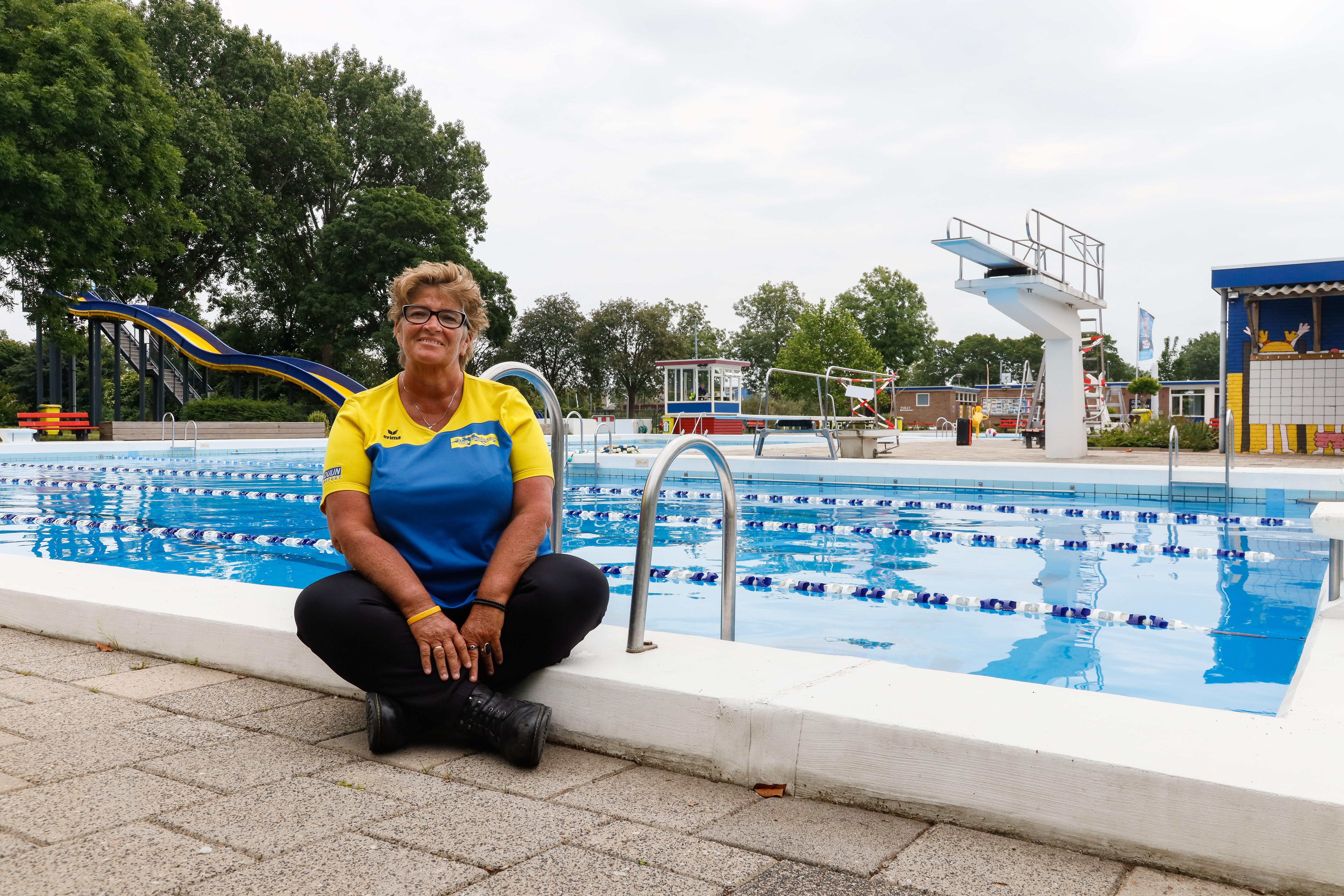 Bijna 100.000 euro voor afdekzeil zwembad Hoogkarspel