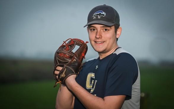 Midwouder Dylan van den Berg speelt in Amerika voor universiteitsteam: Stap voor stap richting de MLB [video]