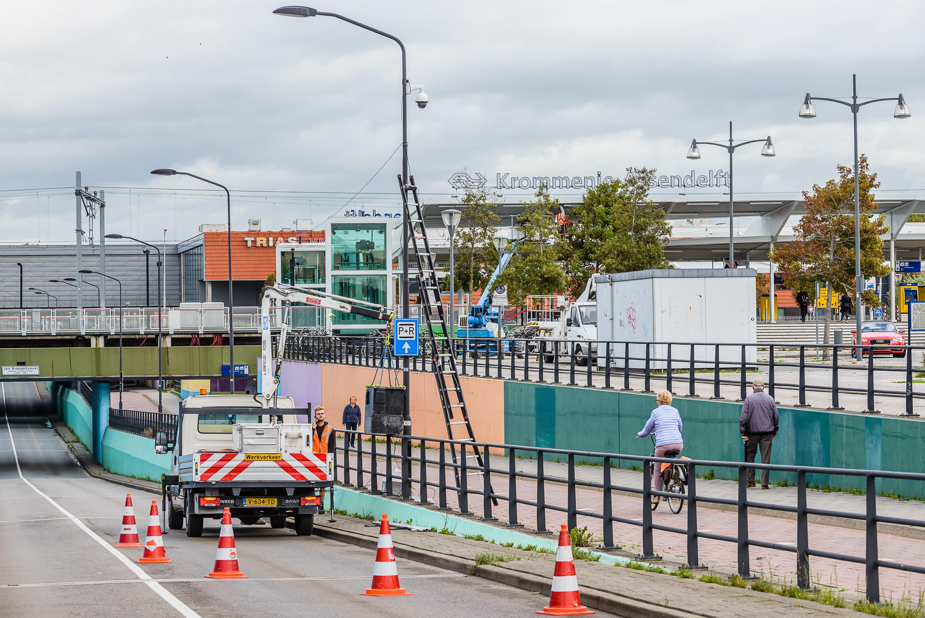 Station Krommenie-Assendelft krijgt tijdelijke camera's na vecht- en steekpartijen tussen jongeren