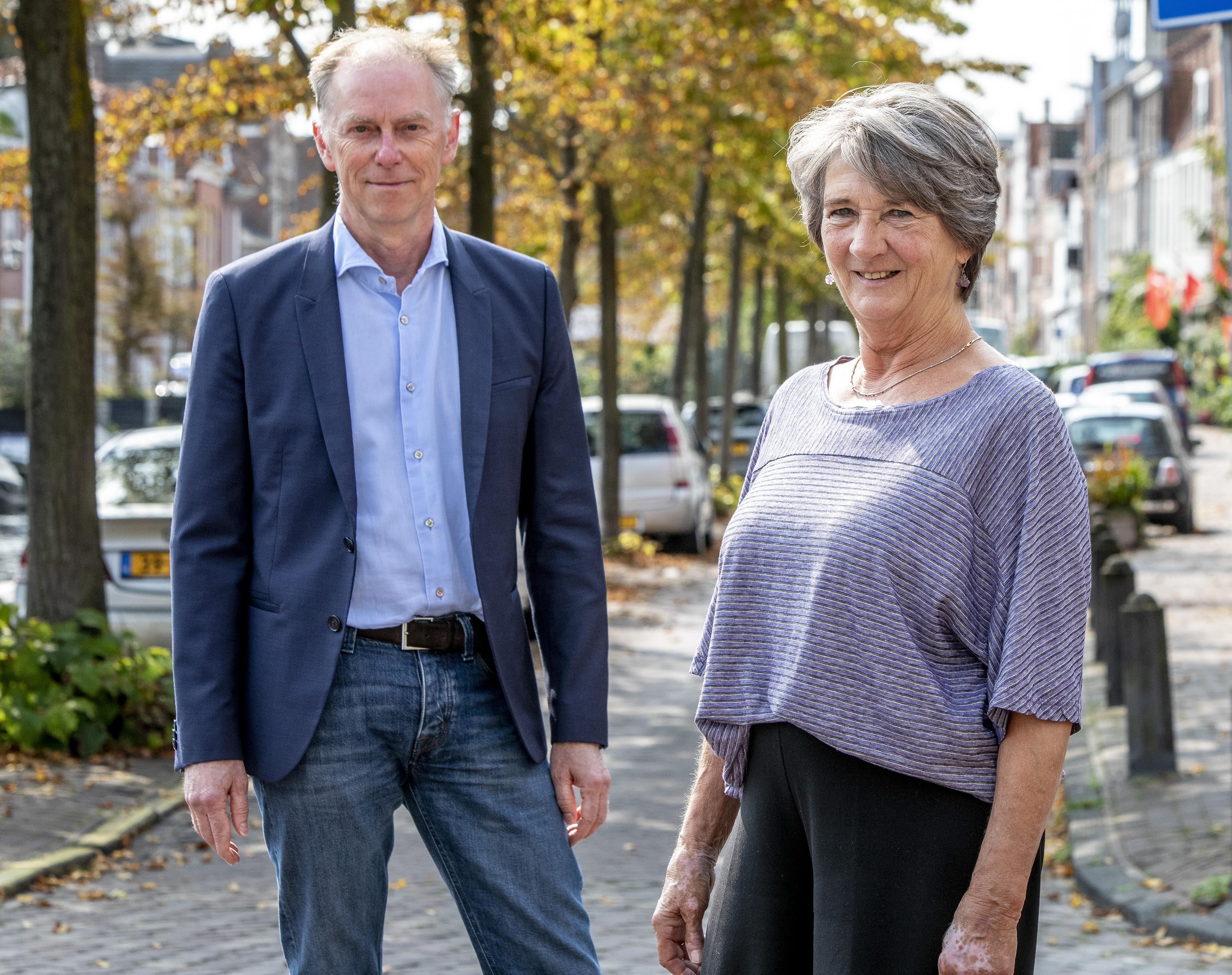 André Jurjus neemt voorzittershamer Participatieraad Haarlem over van Ruth Nelemaat: 'Je kan het verschil maken'