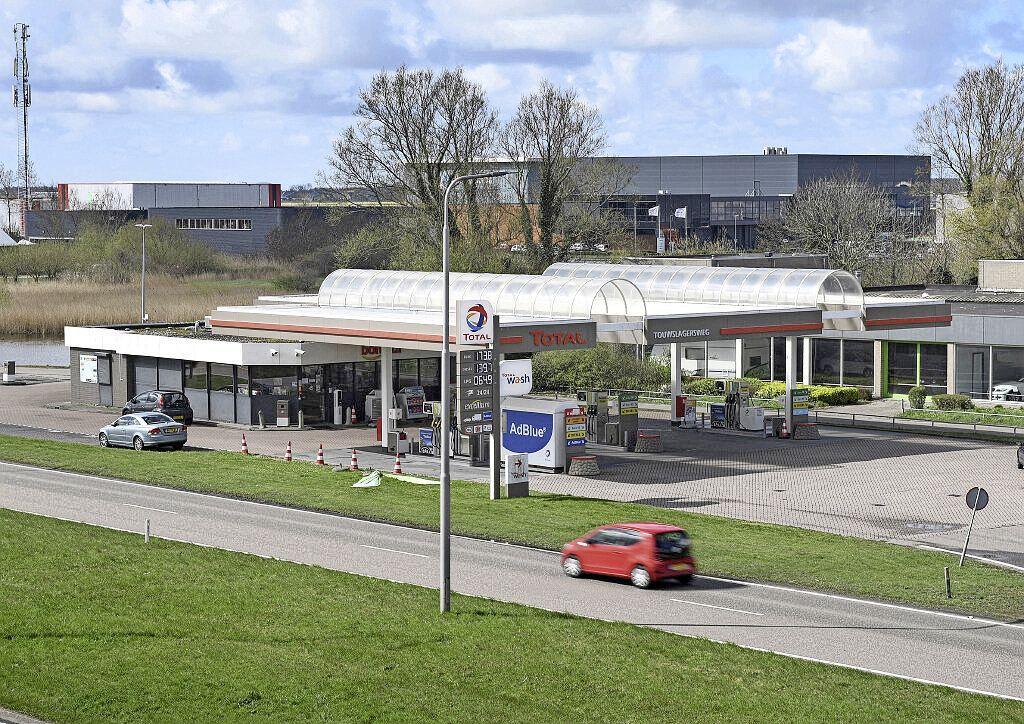 Total-tankstation aan de N9 bij Den Helder wordt geveild via het Rijksvastgoedbedrijf, en dat is voor het eerst