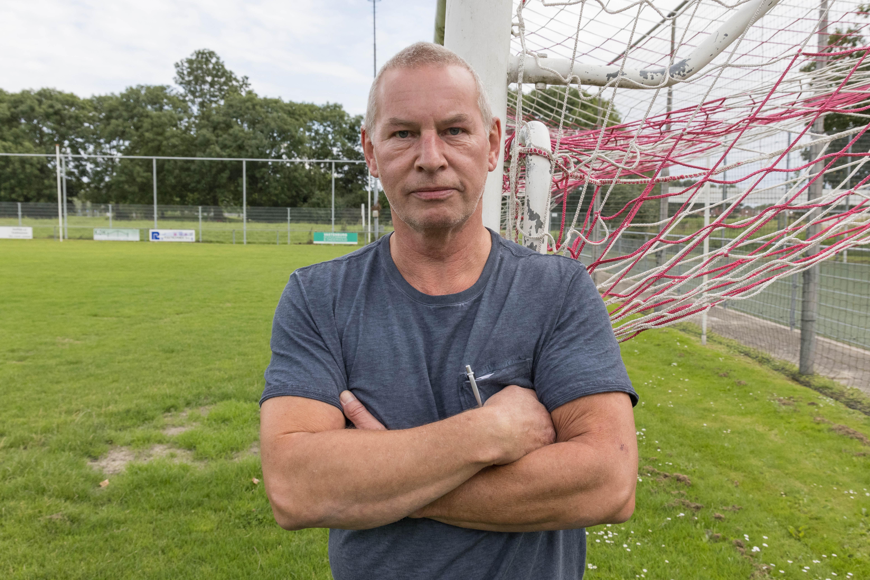 Telstar-trainer Andries Jonker van harte welkom als gasttrainer voor aangepast voetbal bij De Zouaven: ' we zien 'm graag komen'