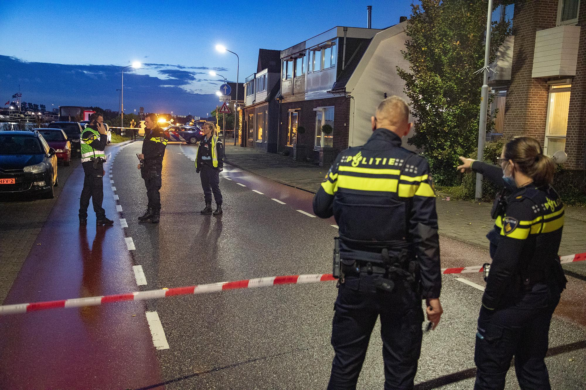 Ernstig gewonde man aangetroffen in Zwanenburg; vermoedelijk neergestoken