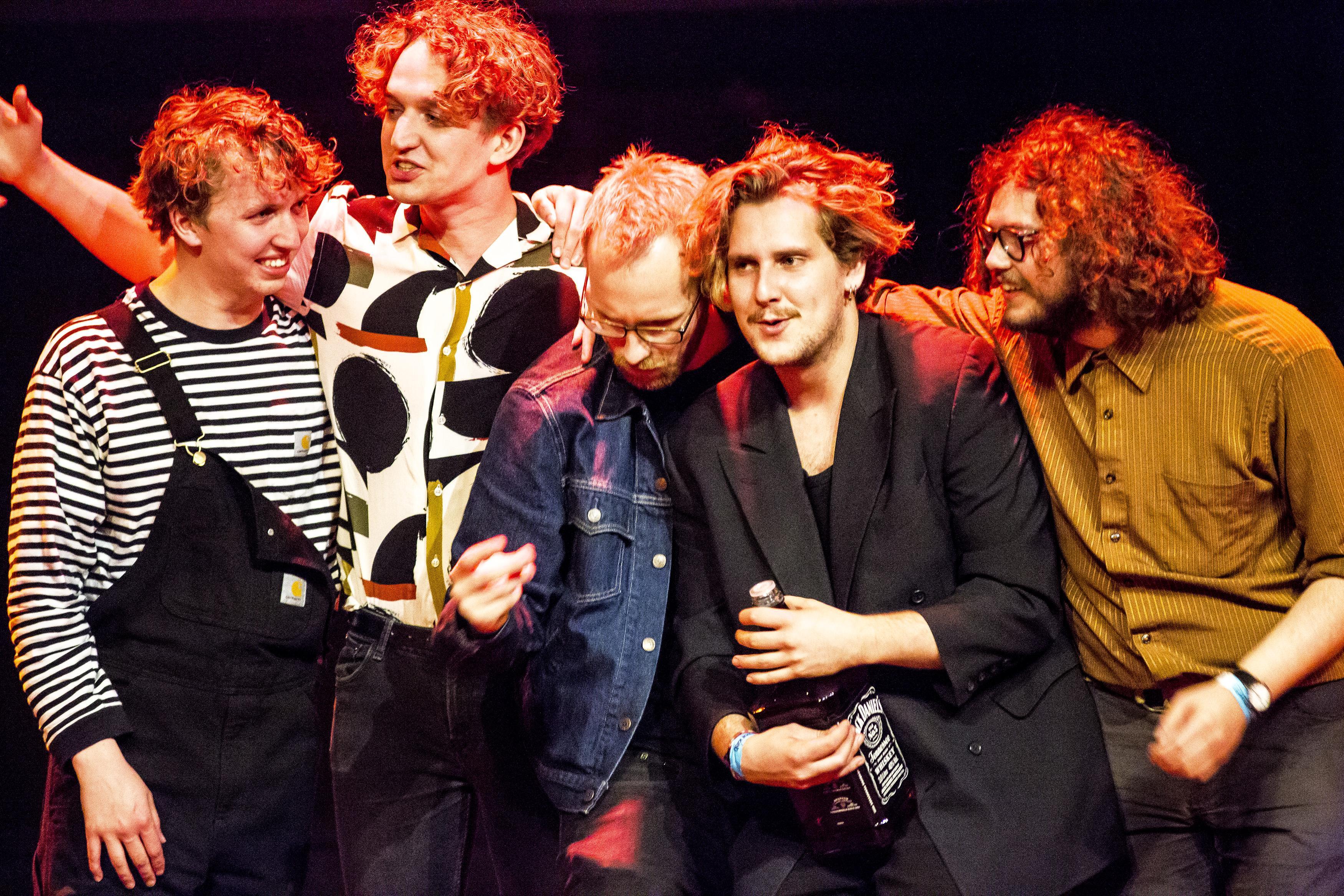Band Ellij wint 24e Rob Acda Award; songschrijver Ruben Bausch vond het tijd zijn verhaal bij de mensen te brengen [video]