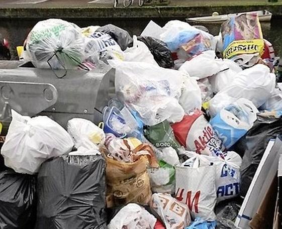 Grote actie tegen dumpen afval en huisvuil aangekondigd, maar pas na de zomervakantie