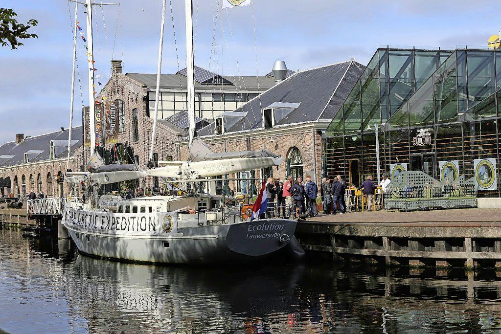Schip Ecolution kreeg 50 duizend euro subsidie omdat het Den Helder goeds zou brengen. Maar de boot verdween met de Noorderzon