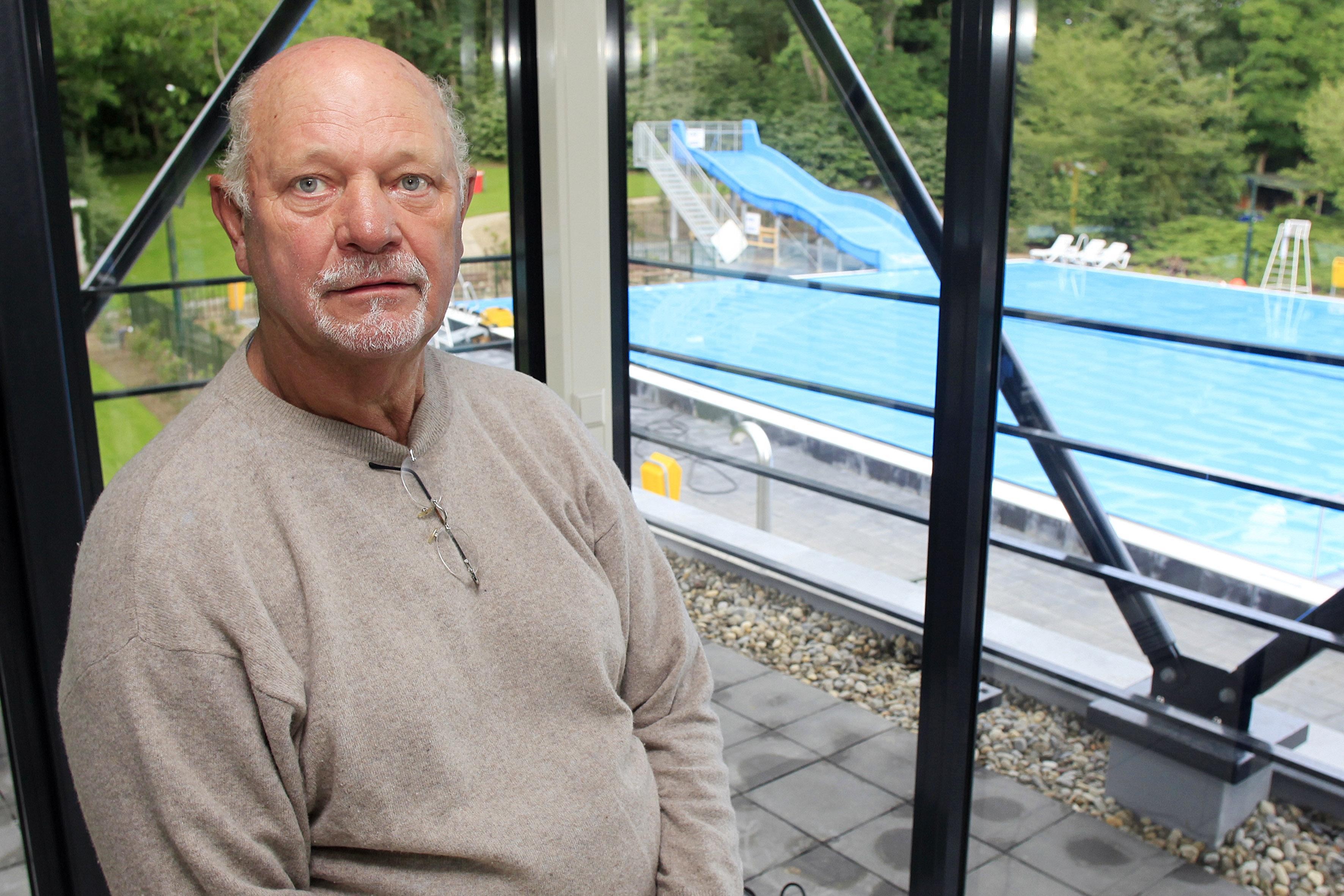 'Mister Sijsjesberg' Geert Oldenzeel (81) overleden: 'Het zwembad was zíjn plek'