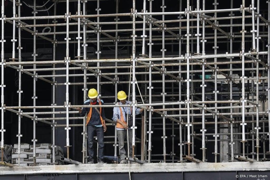 Antwerpse bouwsteiger stort in en bedelft meerdere mensen