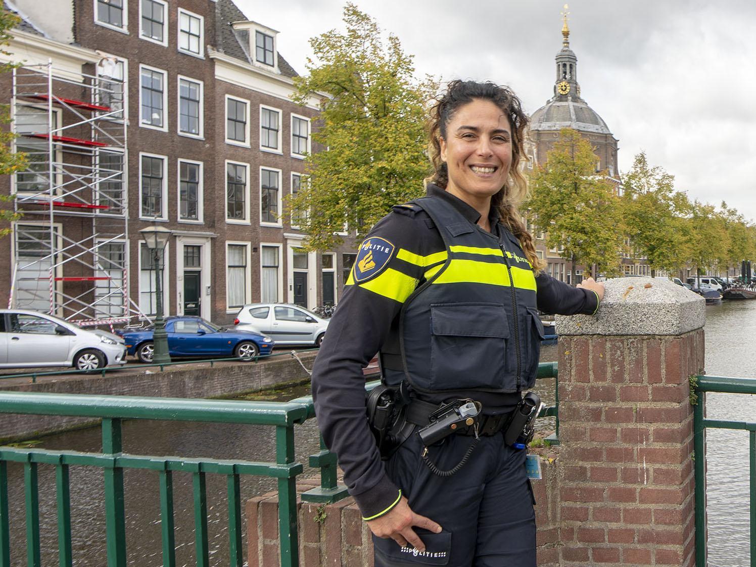 Oud-teamchef Leiden Fatima Aboulouafa eervol ontslagen bij de politie