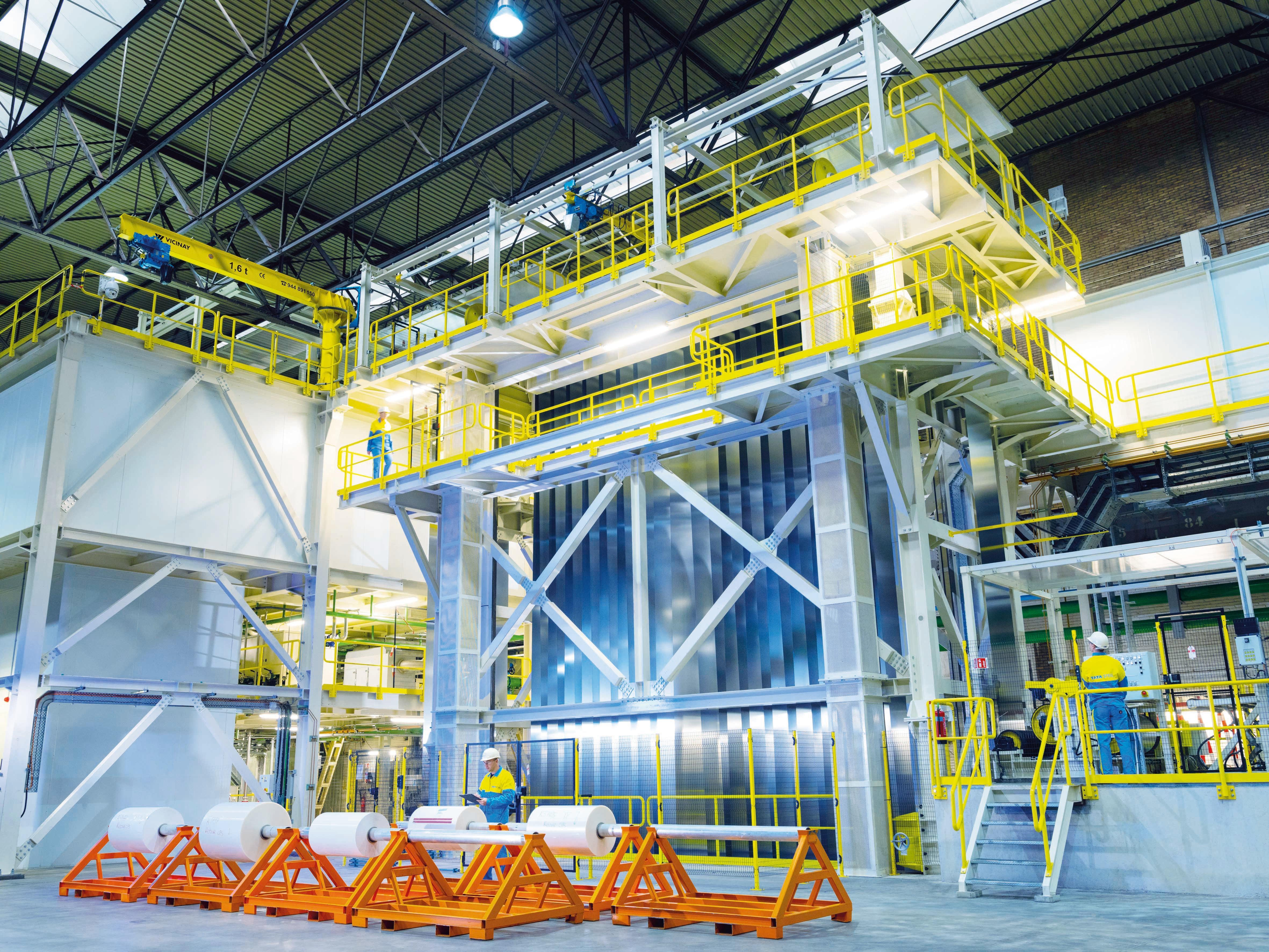 Tata Steel IJmuiden heeft een nieuwe staalsoort ontwikkeld voor conservenblikjes. En dat is ook goed nieuws voor de onderhandelingen met het Zweedse SSAB