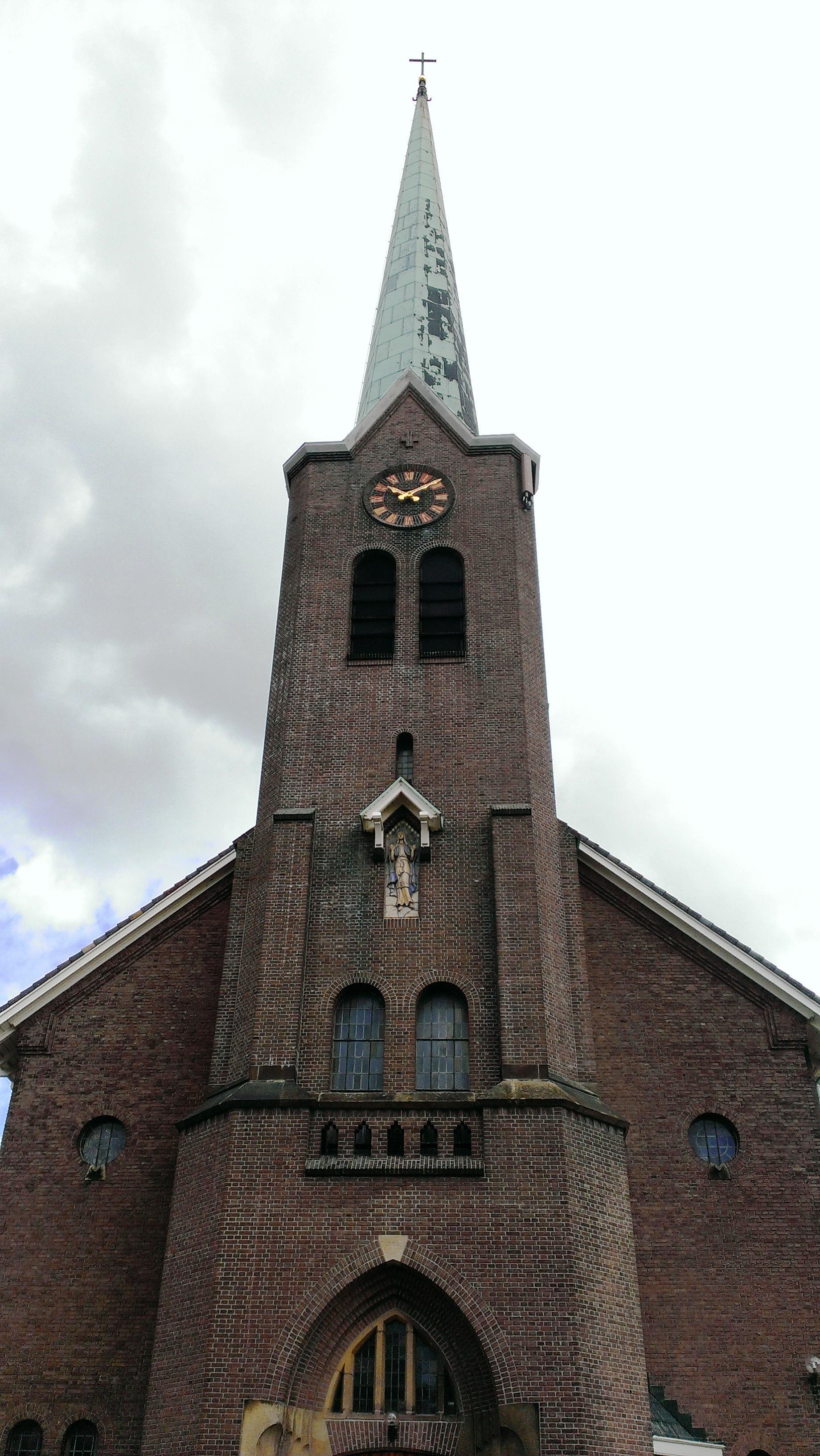 Voorzichtig 'ja' voor het herbouwen van de katholieke kerk in Hoogmade