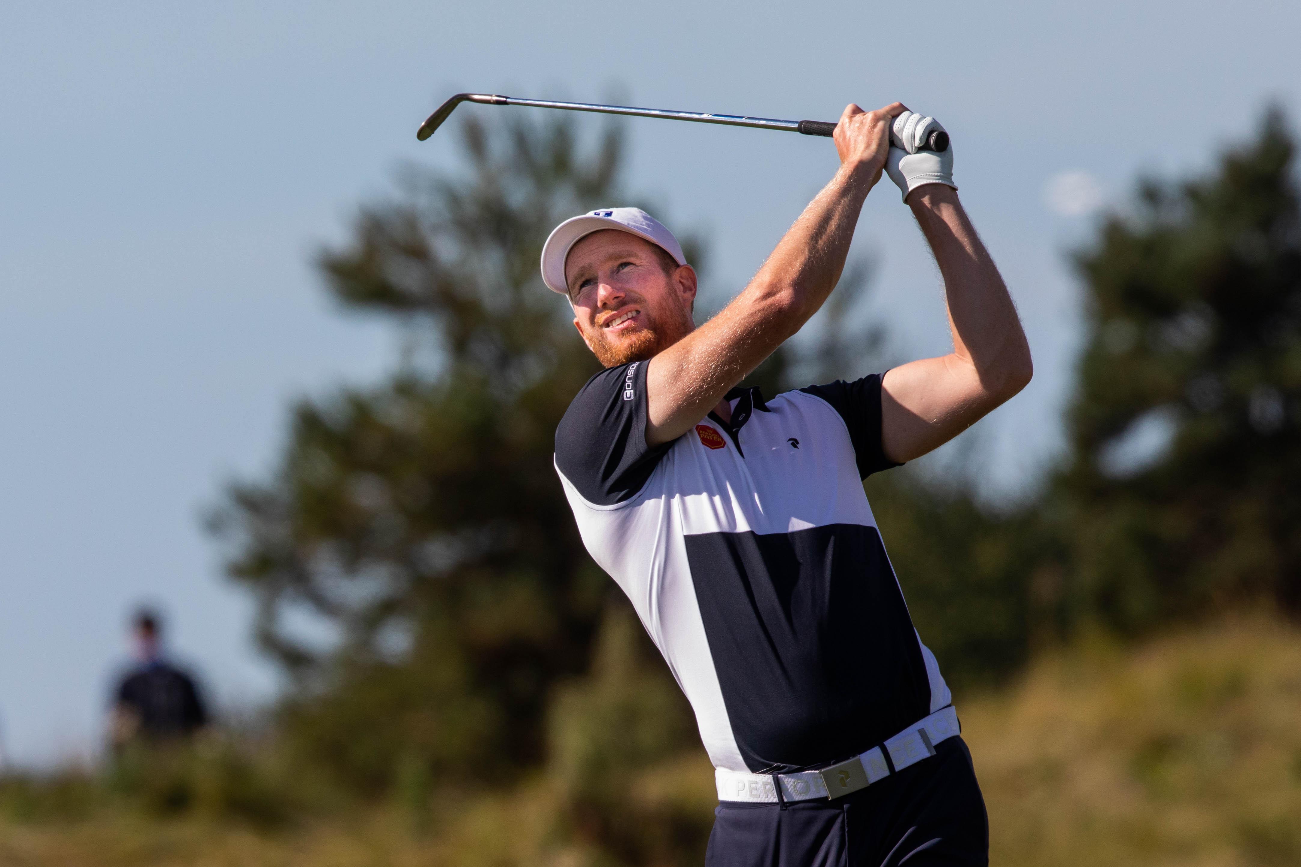 Matige start golfer Wil Besseling in Dubai, waar hij jaagt op een felbegeerd startbewijs voor lucratief eindejaarstoernooi