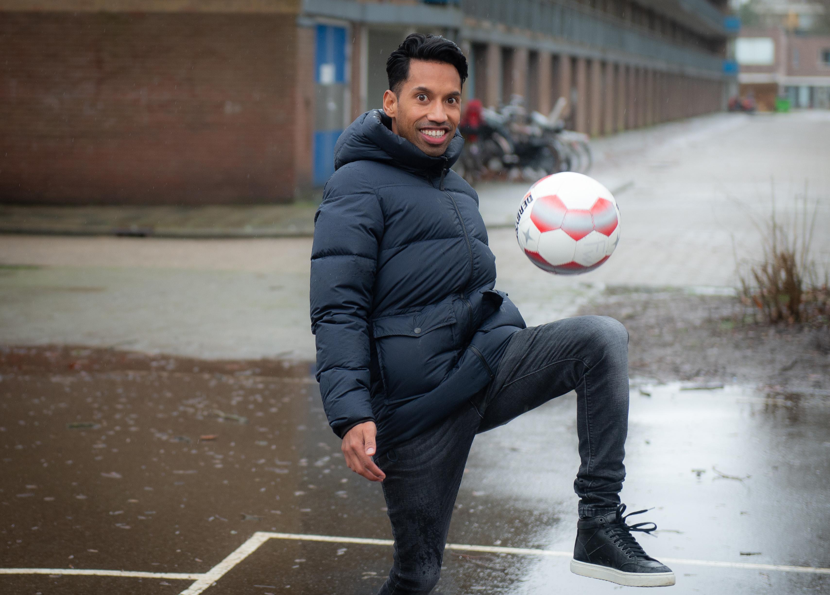 Zo snel kan het gaan: Christopher Manuputty (35) was binnen vijf dagen rond met VV Zaandijk en gaat voor het eerst als hoofdtrainer aan de slag