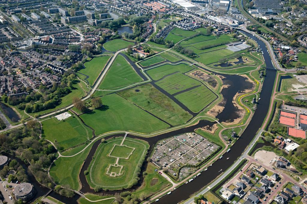 Bureaucratie van de veertiende en vijftiende eeuw onthult het ware beeld van kasteel Middelburg aan de Munnikenweg in Oudorp