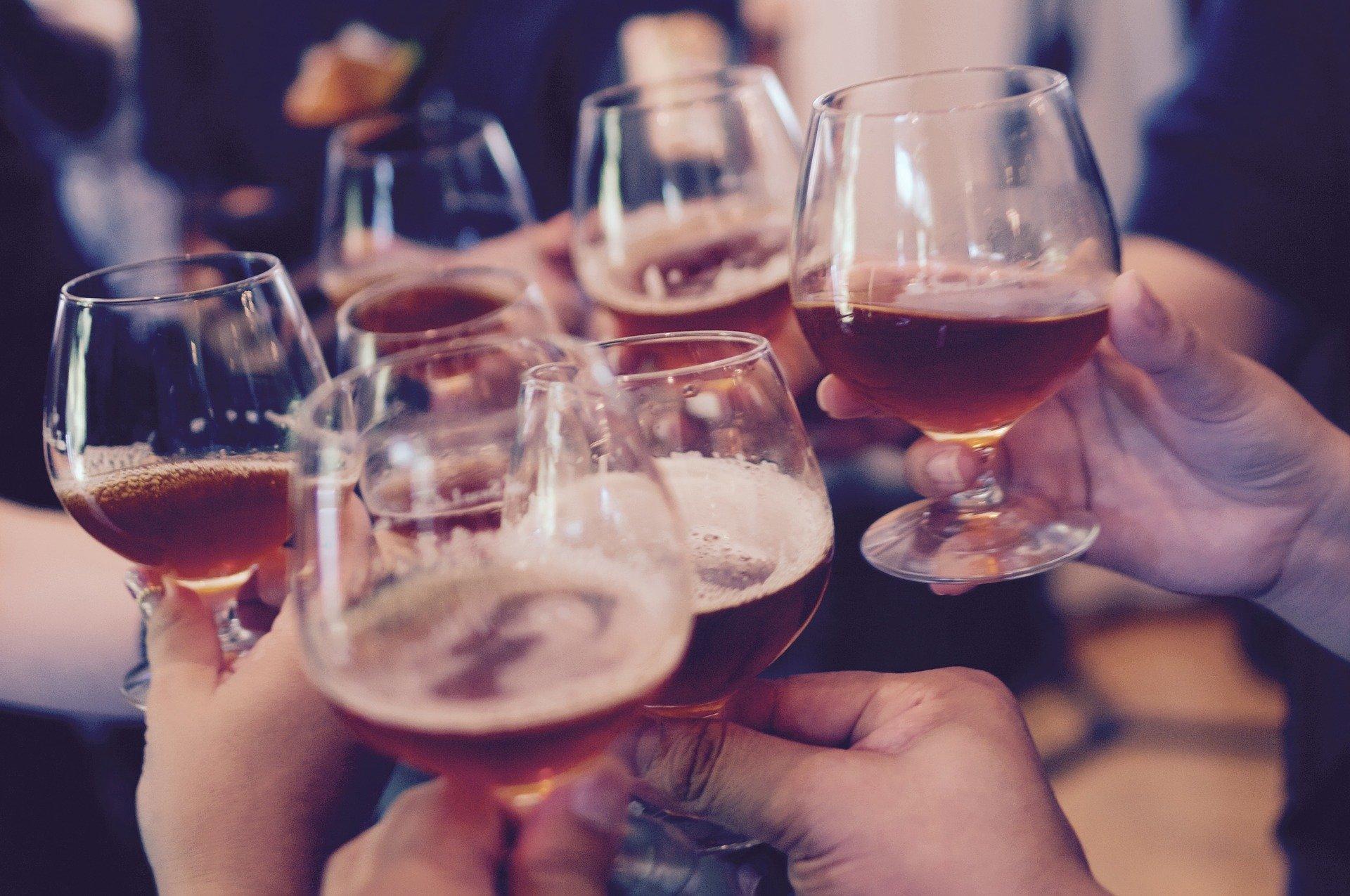 Ingenieurs rekenen uit: feestje thuis kan straks levensgevaarlijk zijn